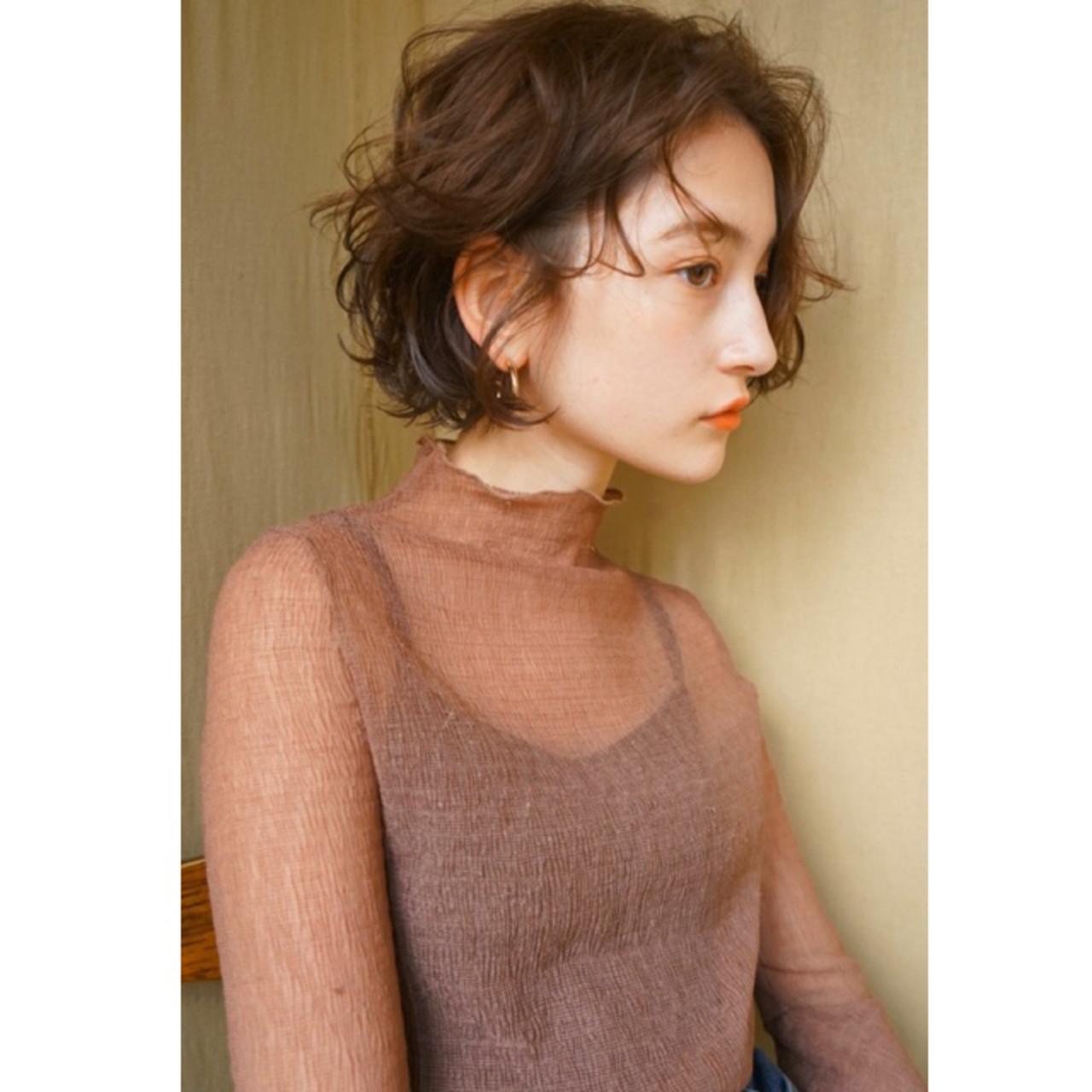 ナチュラル ショートヘア 切りっぱなしボブ ショートボブ ヘアスタイルや髪型の写真・画像