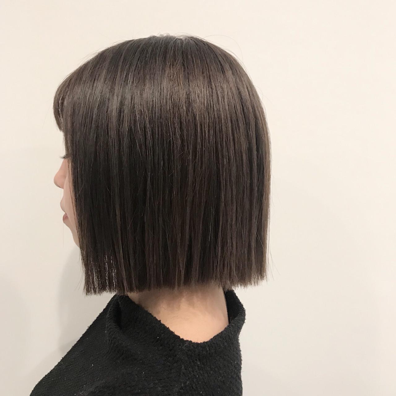 グレージュ ナチュラル 切りっぱなし ハイライト ヘアスタイルや髪型の写真・画像   Teppei / freelance