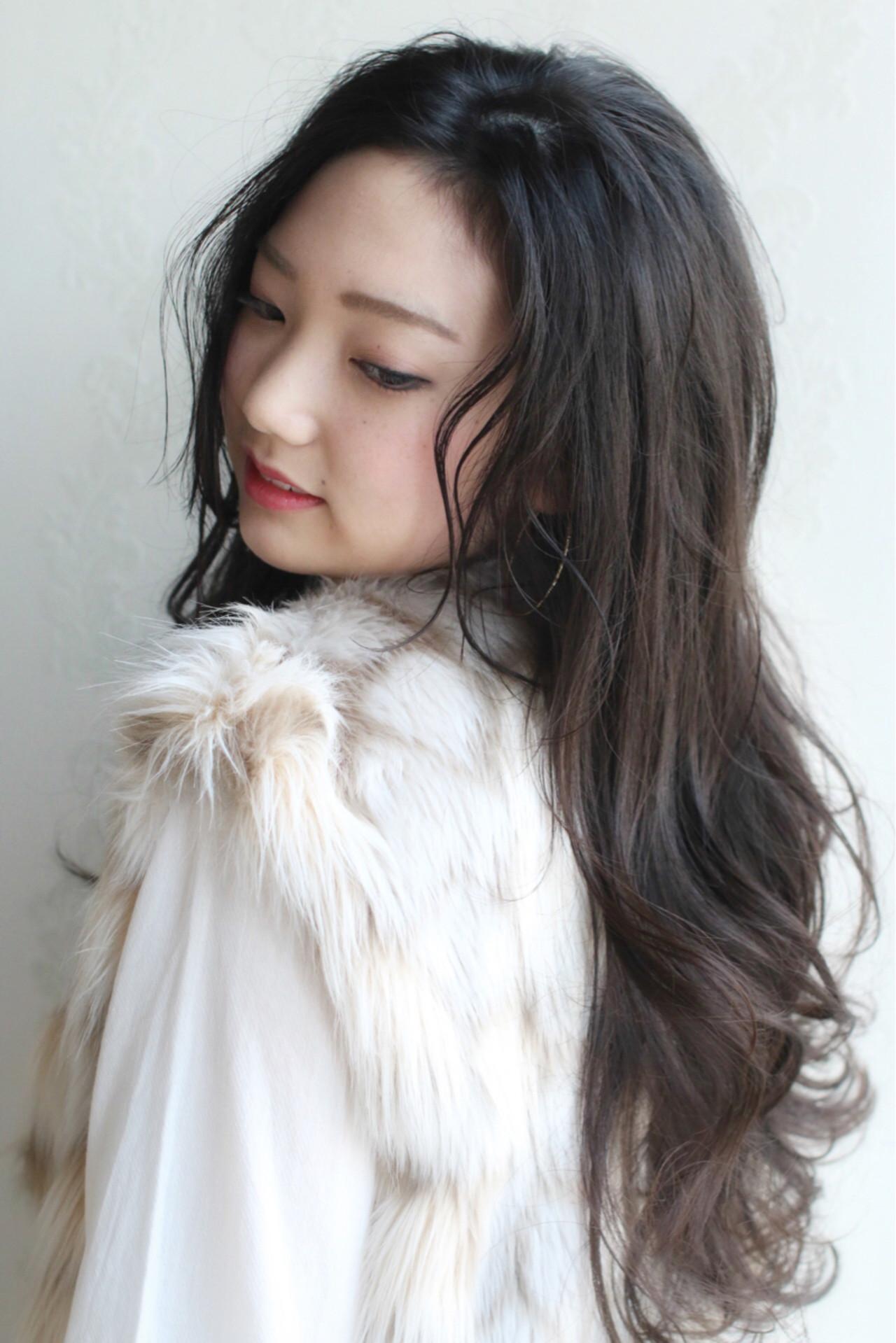 フェミニン ナチュラル ロング 黒髪 ヘアスタイルや髪型の写真・画像