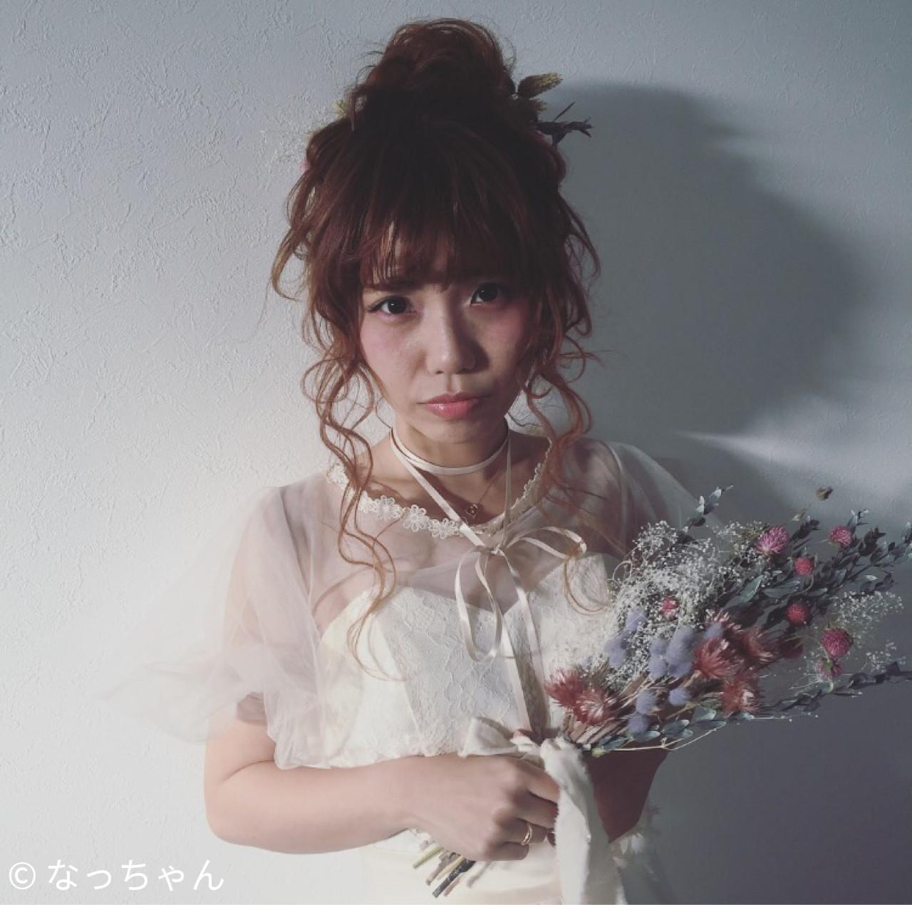 セミロング 花嫁 お団子 ブライダル ヘアスタイルや髪型の写真・画像