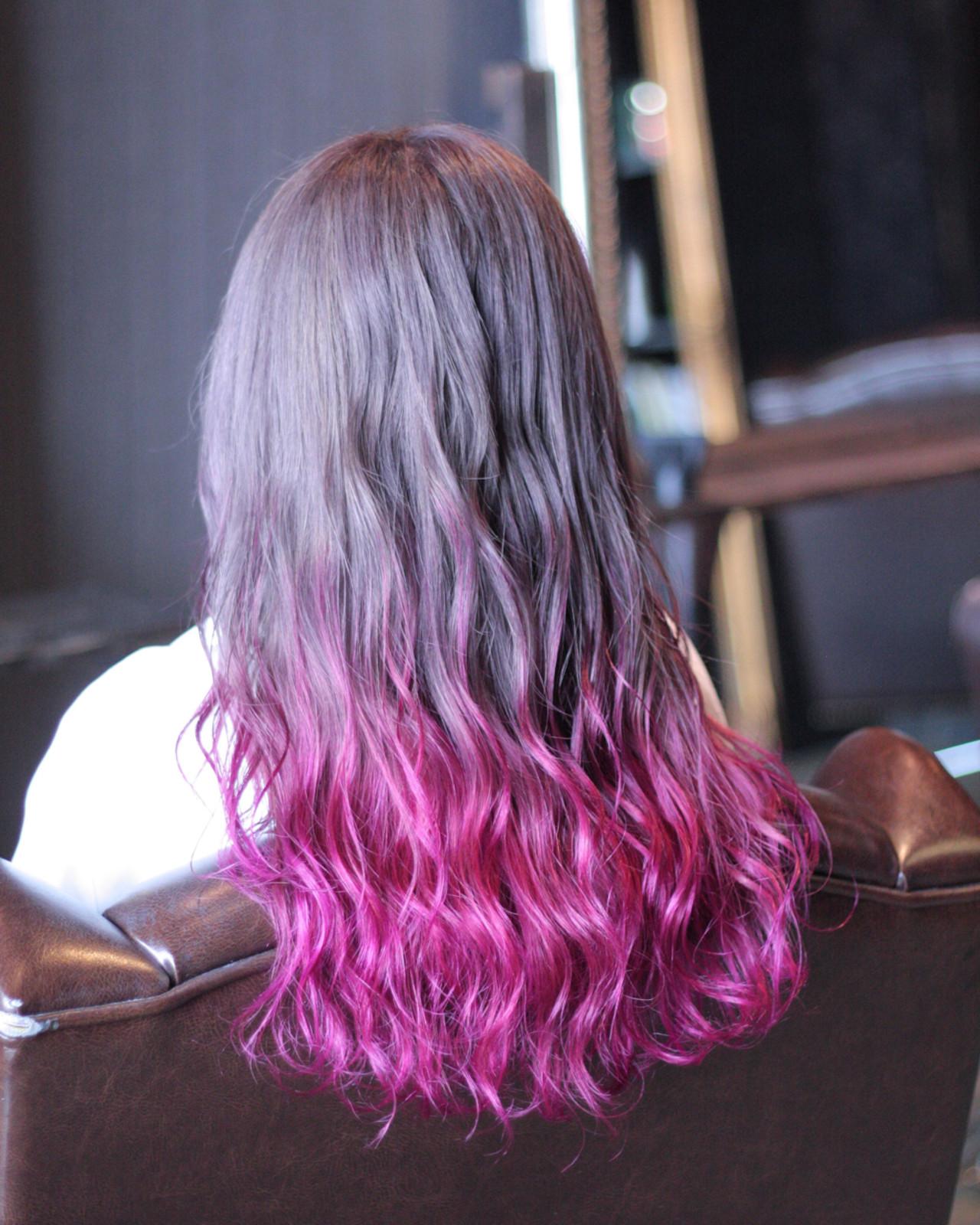 外国人風 ピンク グラデーションカラー レッド ヘアスタイルや髪型の写真・画像