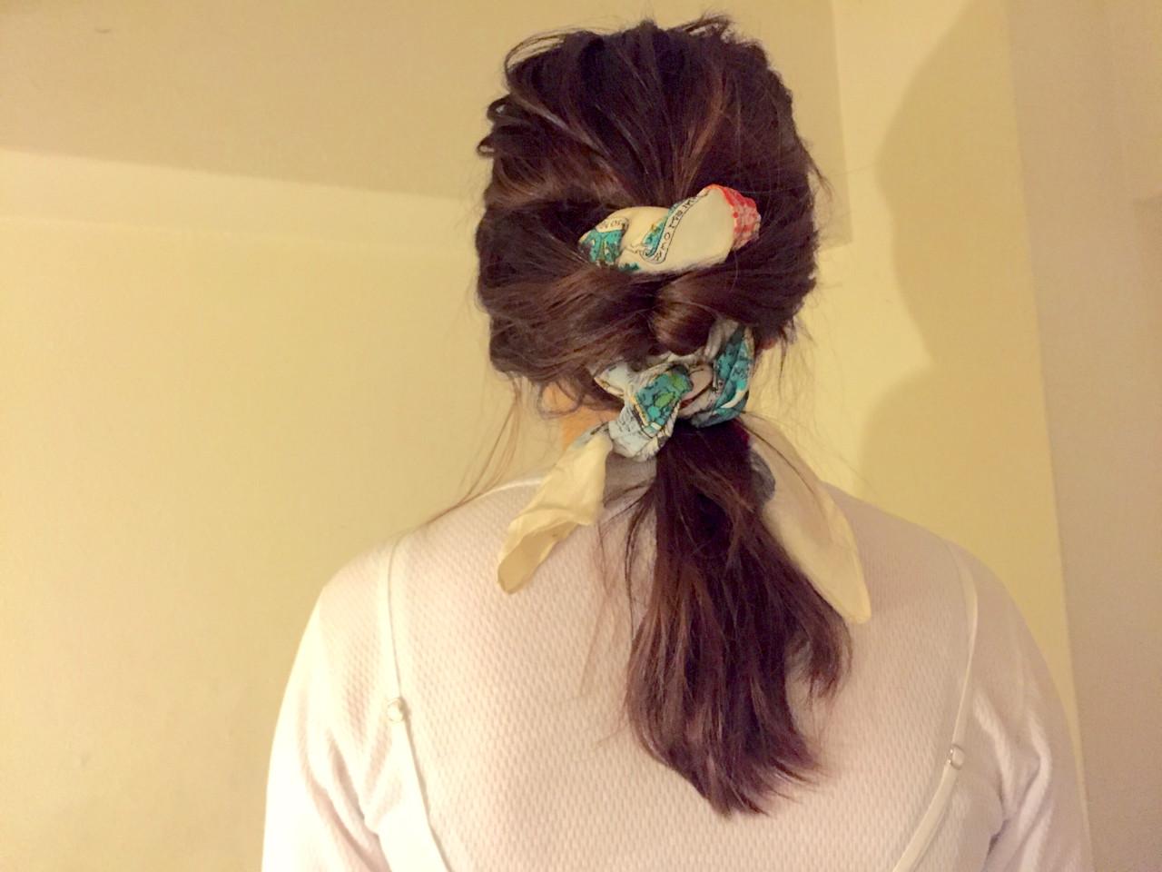 セミロング バンダナ ヘアアレンジ くるりんぱ ヘアスタイルや髪型の写真・画像