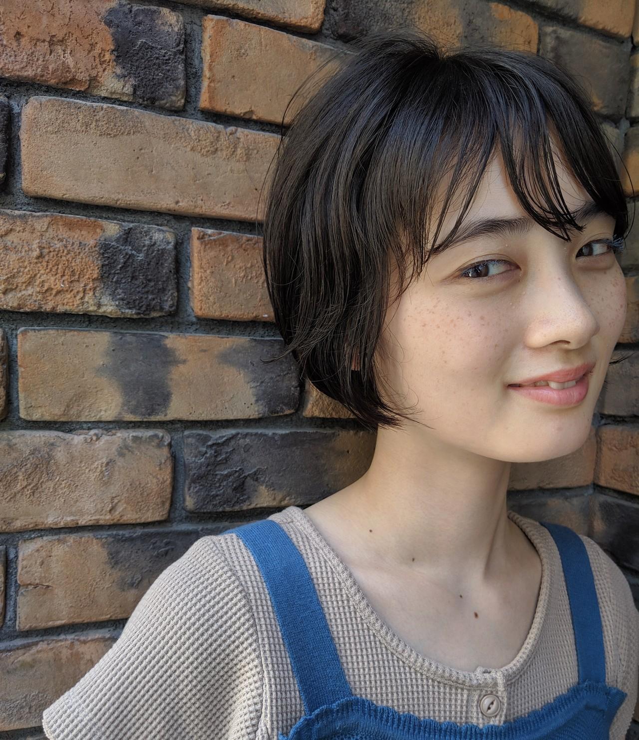 ショートボブ ナチュラル ミニボブ 大人カジュアル ヘアスタイルや髪型の写真・画像   naokoo / ROVERSI