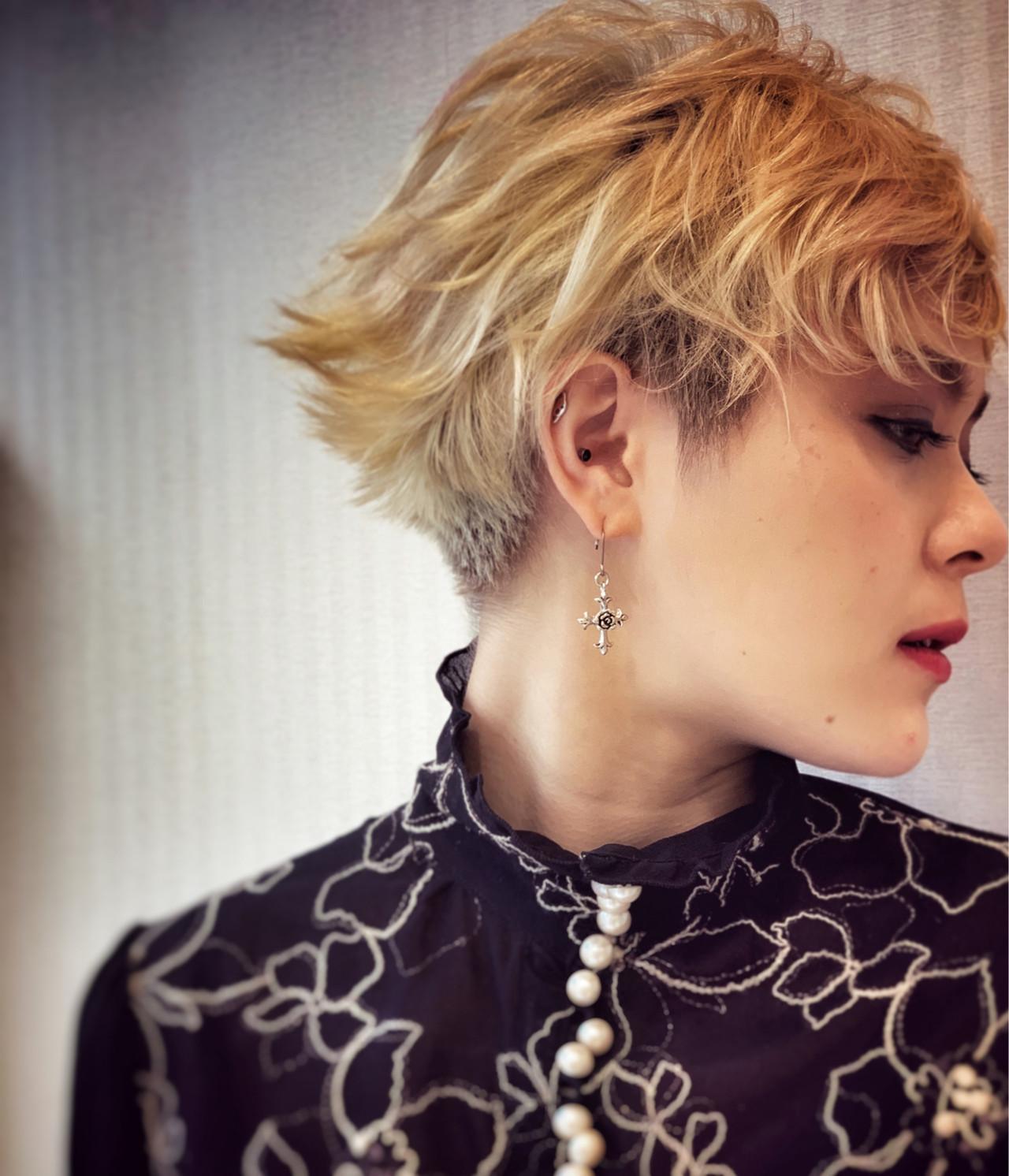 刈り上げショート おしゃれ モード 金髪 ヘアスタイルや髪型の写真・画像 | 鎌田優子 / air-AZABU