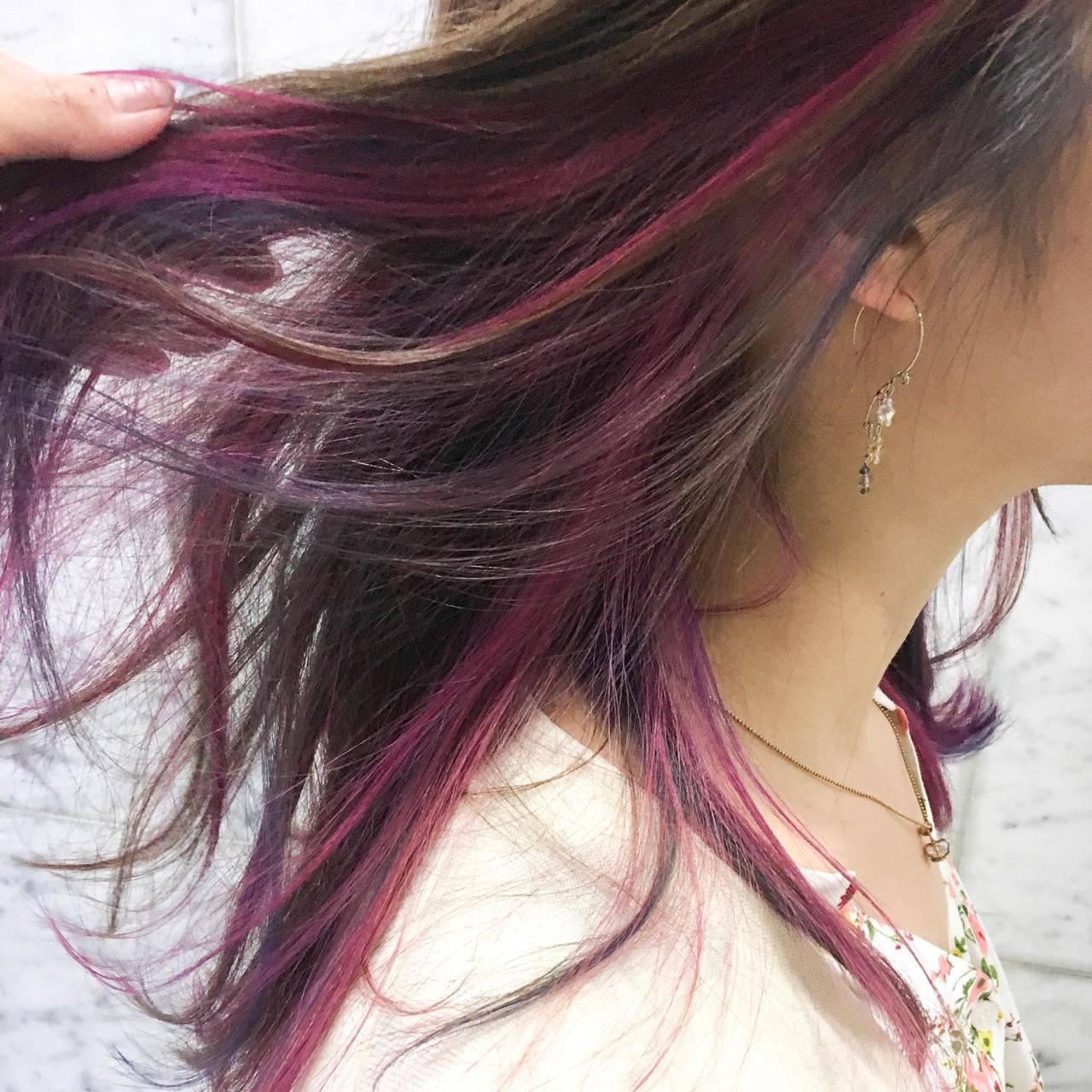 ナチュラル ロング ピンク インナーカラー ヘアスタイルや髪型の写真・画像