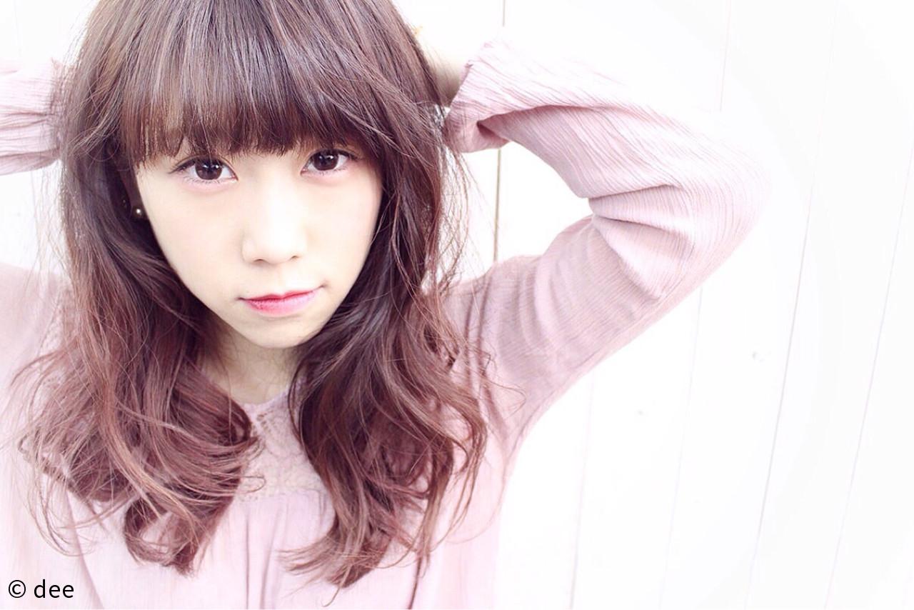 グラデーションカラー ガーリー ピンク 前髪あり ヘアスタイルや髪型の写真・画像