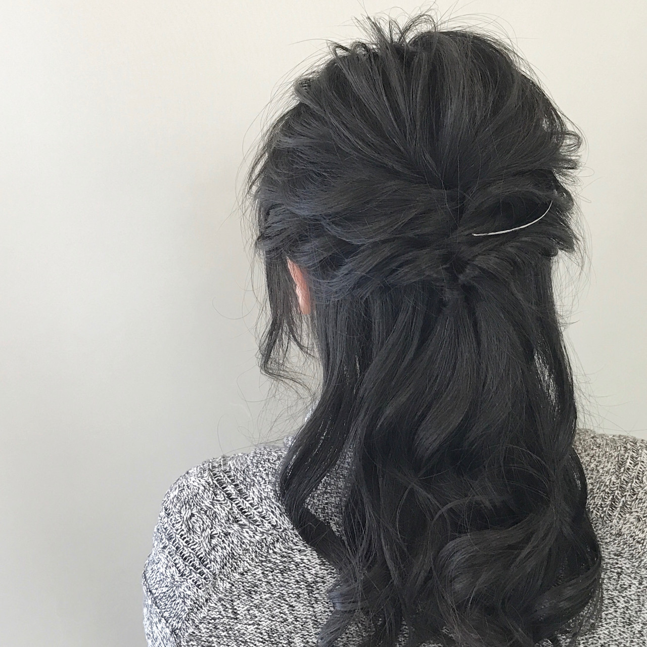 ヘアアレンジ ロング ナチュラル くるりんぱ ヘアスタイルや髪型の写真・画像   新谷 朋宏 / Free hairstylist shinya