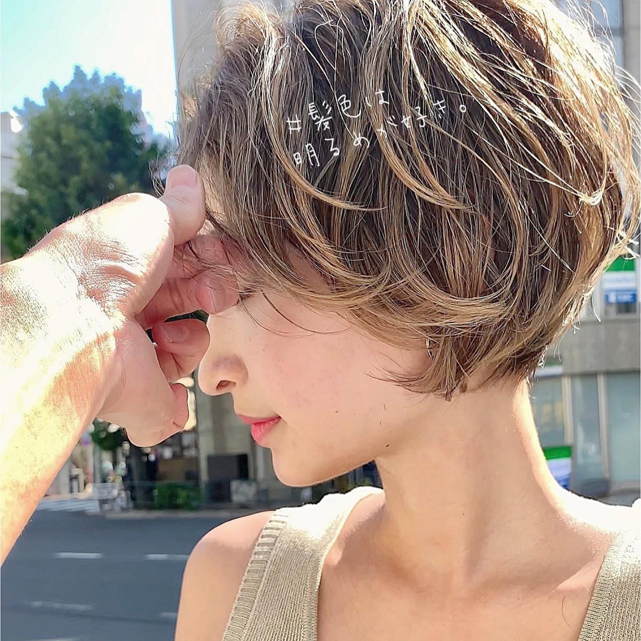 ショートヘア パーティー ナチュラル ミニボブ ヘアスタイルや髪型の写真・画像