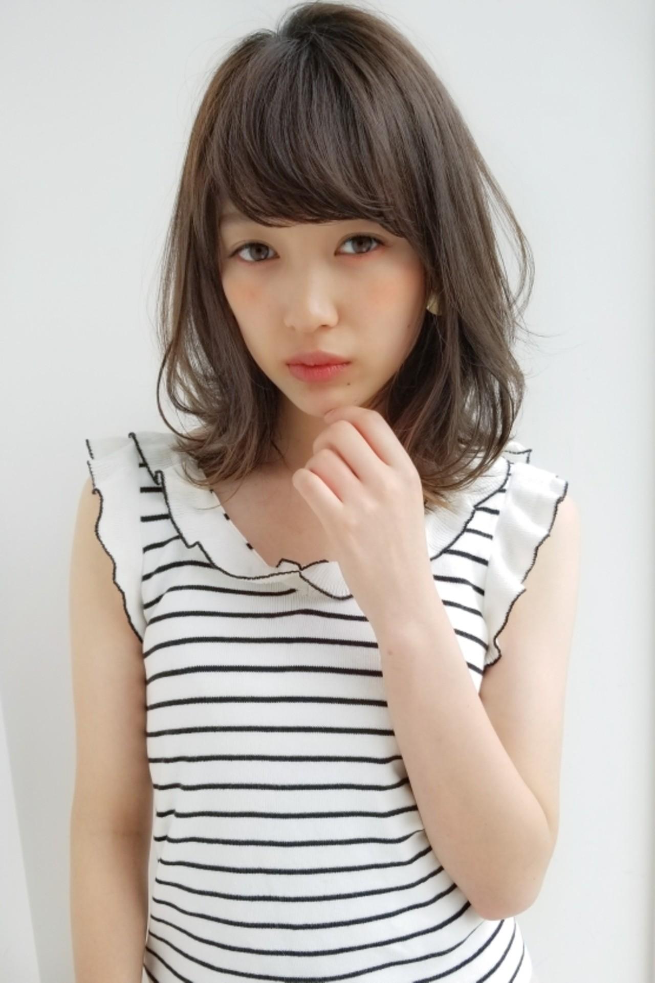 夏 ミディアム 大人かわいい 前髪あり ヘアスタイルや髪型の写真・画像