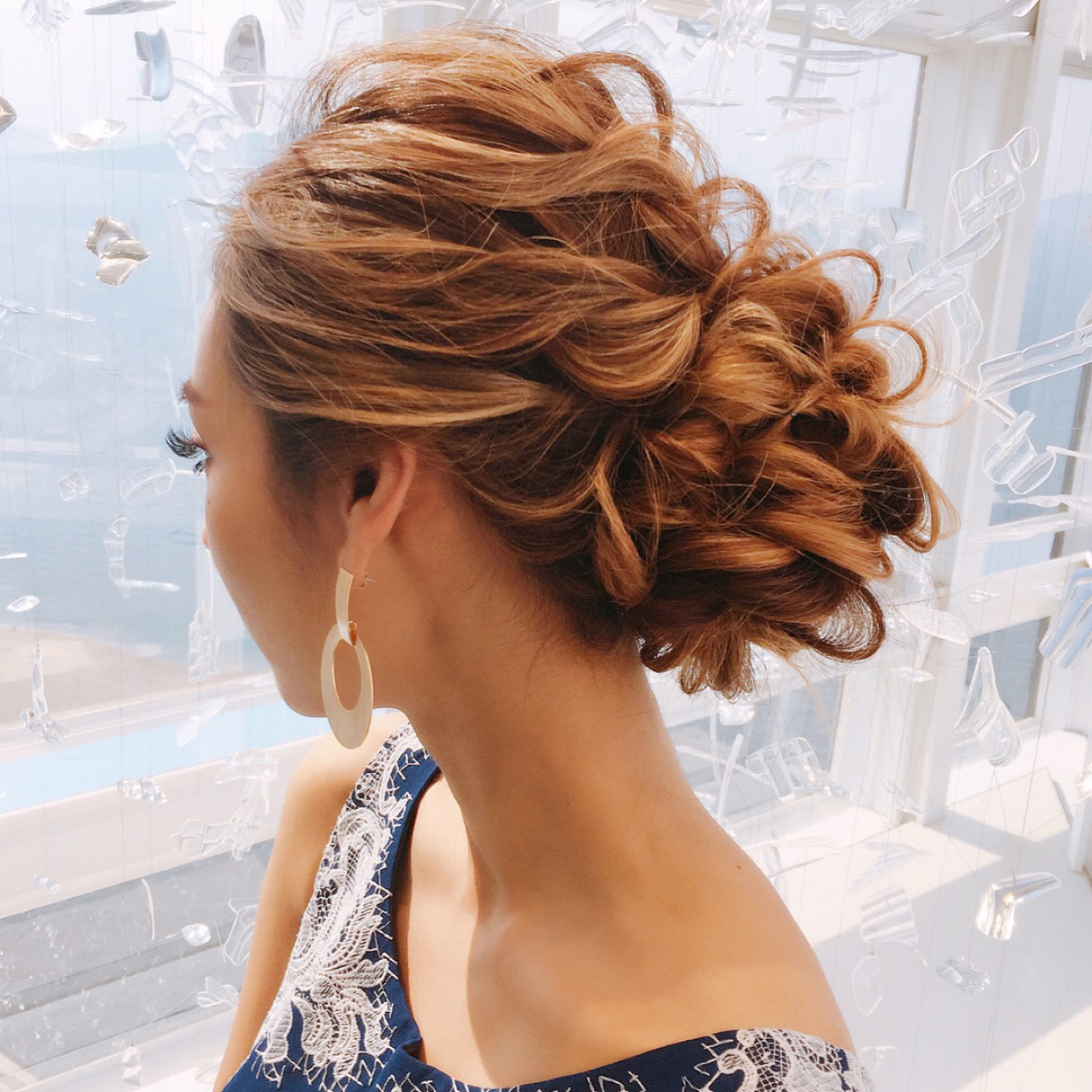 ねじり 結婚式 上品 編み込み ヘアスタイルや髪型の写真・画像