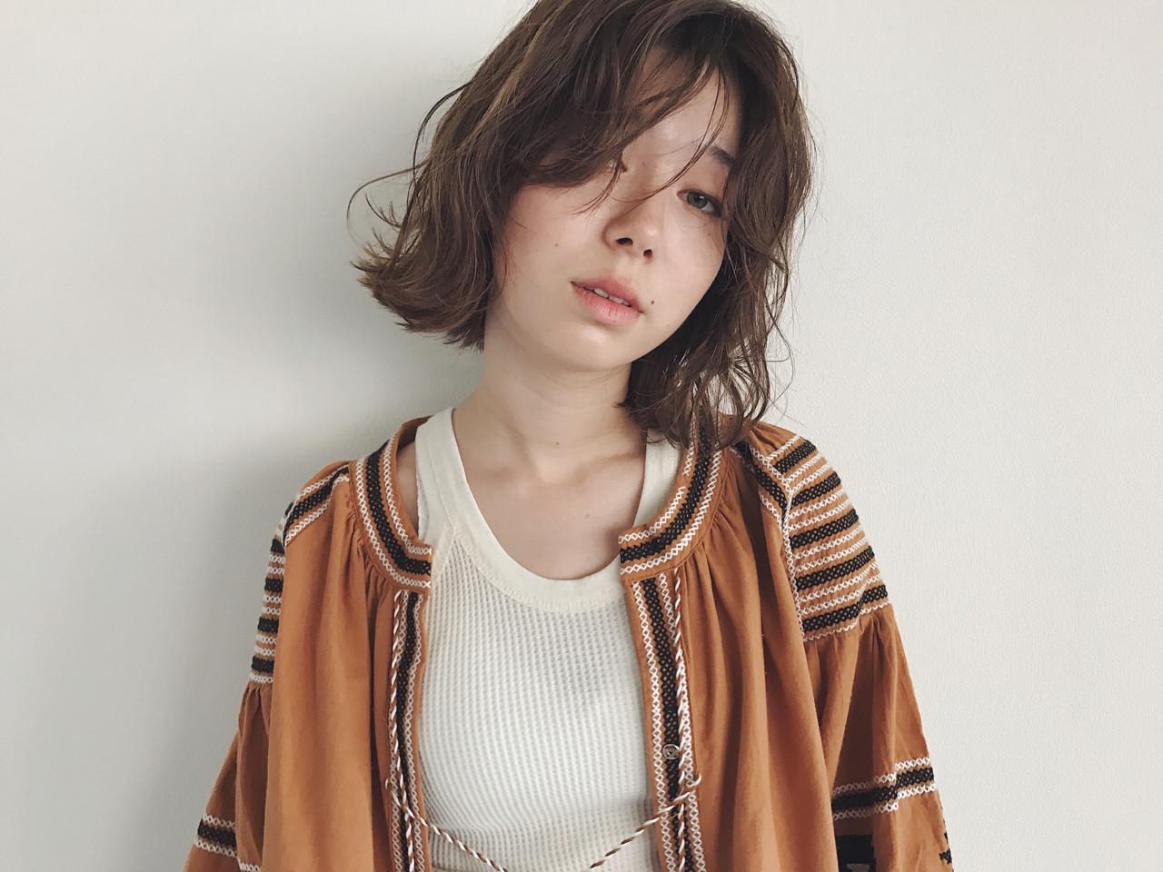 斜め前髪 ボブ 色気 前髪あり ヘアスタイルや髪型の写真・画像 | 鶴野 智恵子 / Avenz.foundation