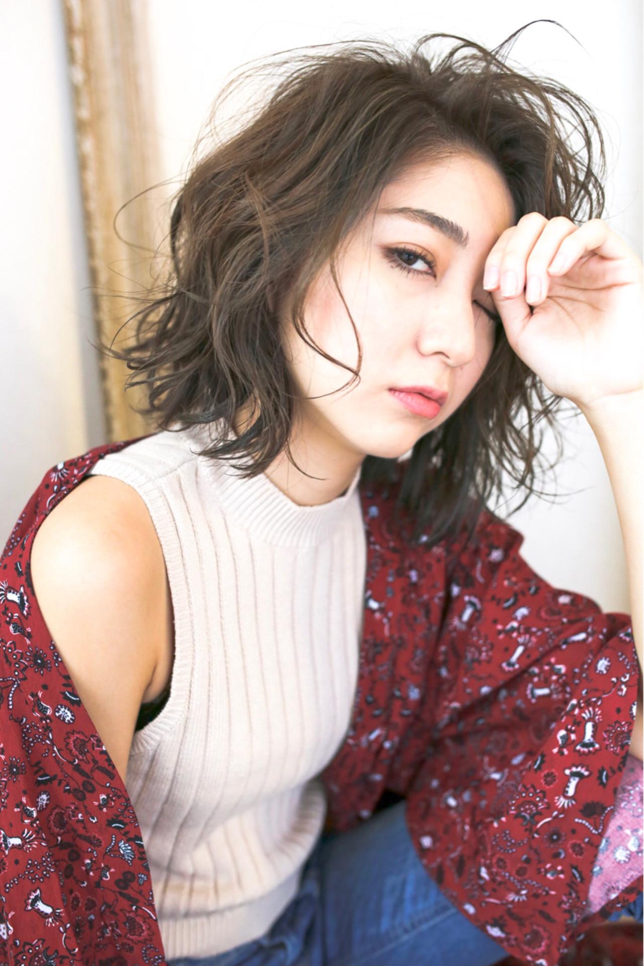 フェミニン 外国人風 アッシュ ゆるふわ ヘアスタイルや髪型の写真・画像