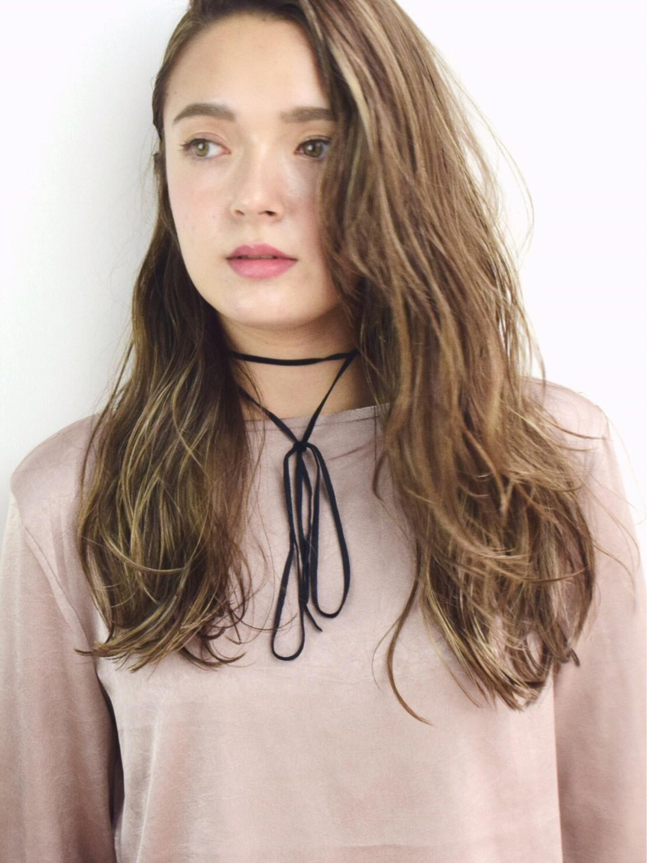 ハイライト 色気 外国人風 ロング ヘアスタイルや髪型の写真・画像