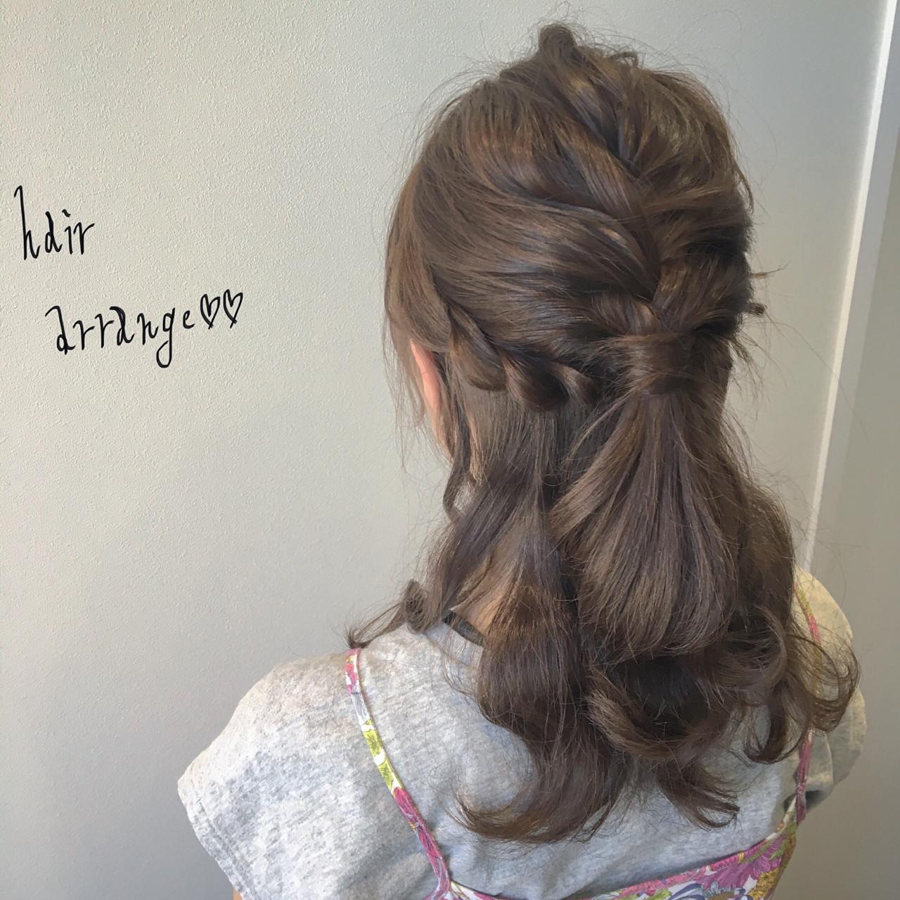 ヘアアレンジ セミロング ナチュラル 大人女子 ヘアスタイルや髪型の写真・画像