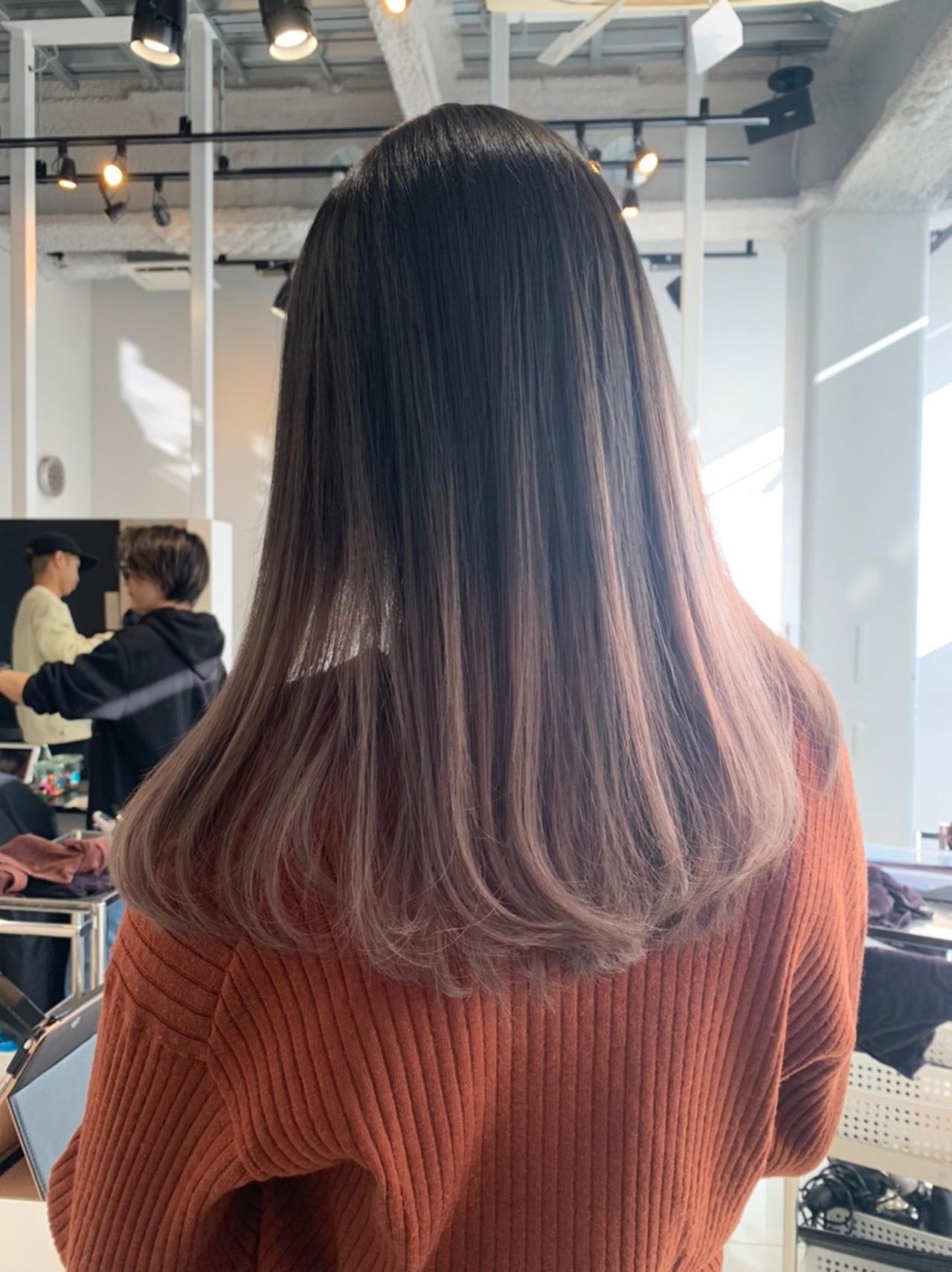 外国人風 ストレート ホワイトカラー ロング ヘアスタイルや髪型の写真・画像   ALIVE【阿部 圭悟】 / ALIVE