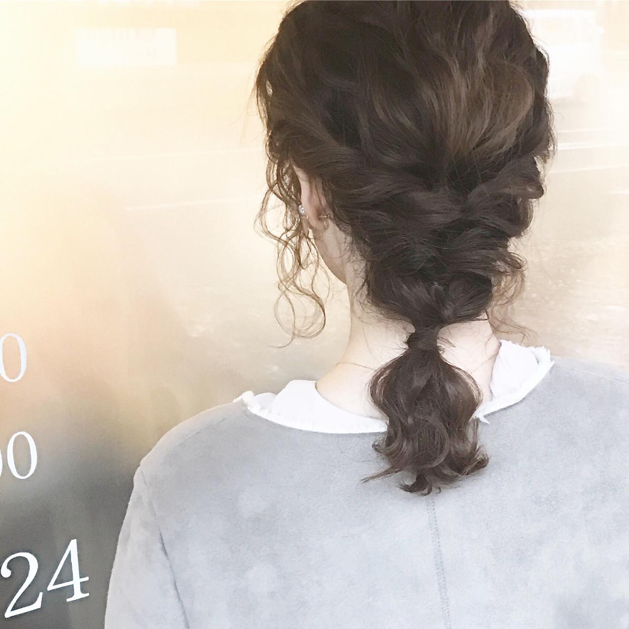 ゆるふわ フェミニン セミロング アッシュ ヘアスタイルや髪型の写真・画像