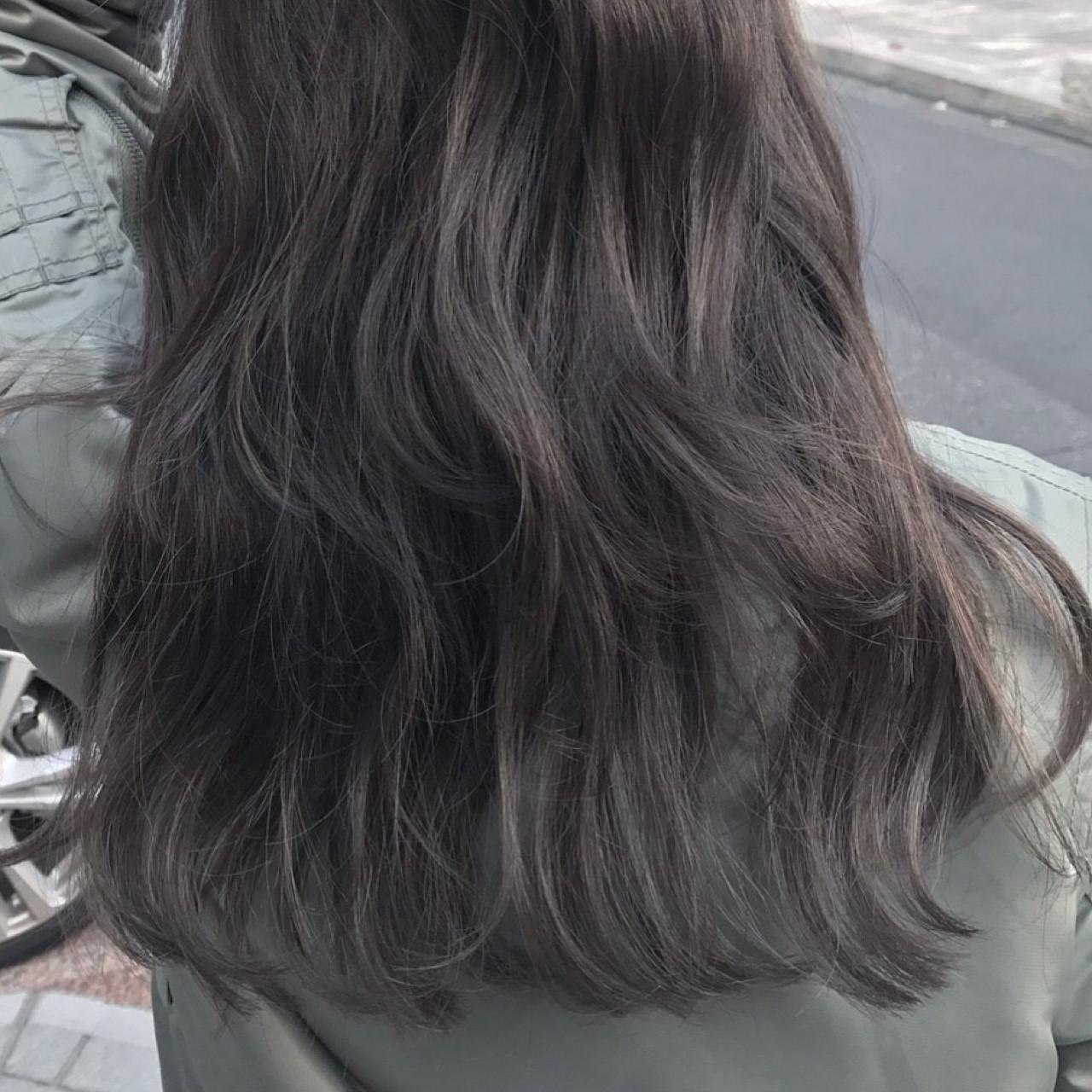 ニュアンス ナチュラル ロング パーマ ヘアスタイルや髪型の写真・画像