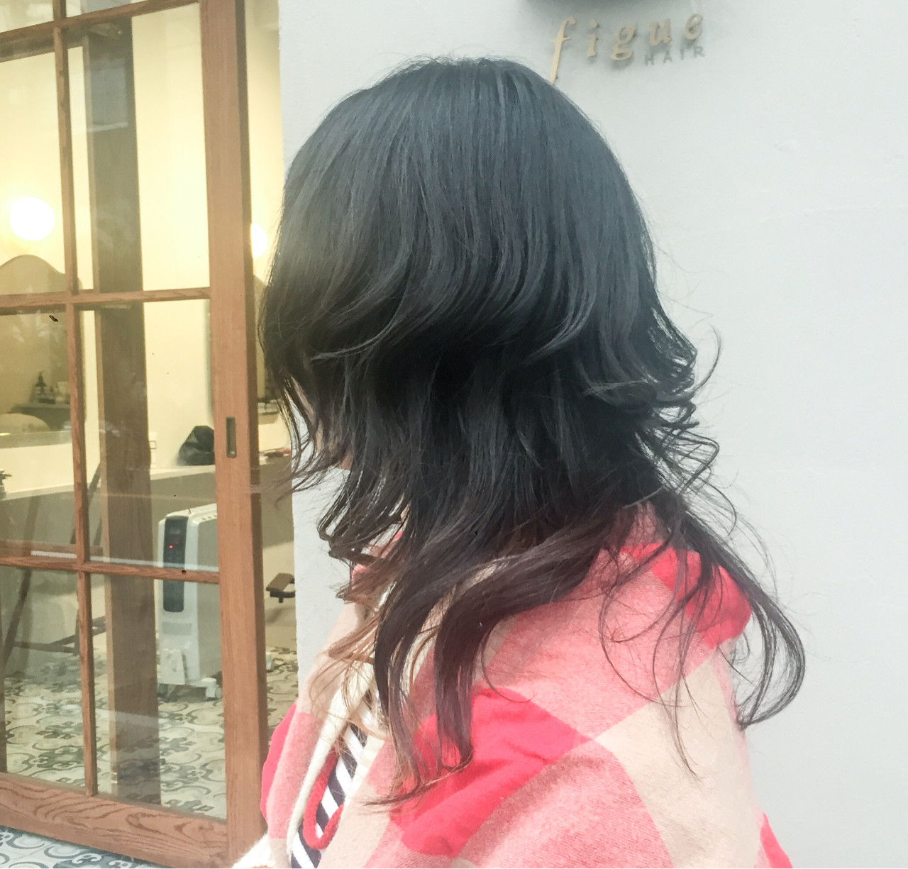 マッシュ フェミニン インナーカラー ロング ヘアスタイルや髪型の写真・画像