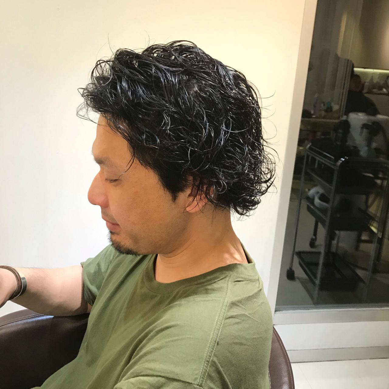 黒髪 パーマ メンズパーマ ショート ヘアスタイルや髪型の写真・画像
