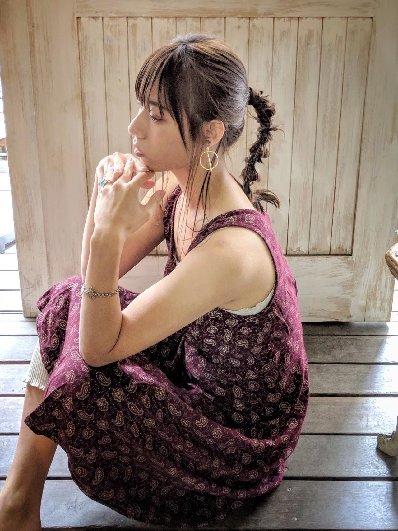 前髪 ポニーテール セミロング フェミニン ヘアスタイルや髪型の写真・画像