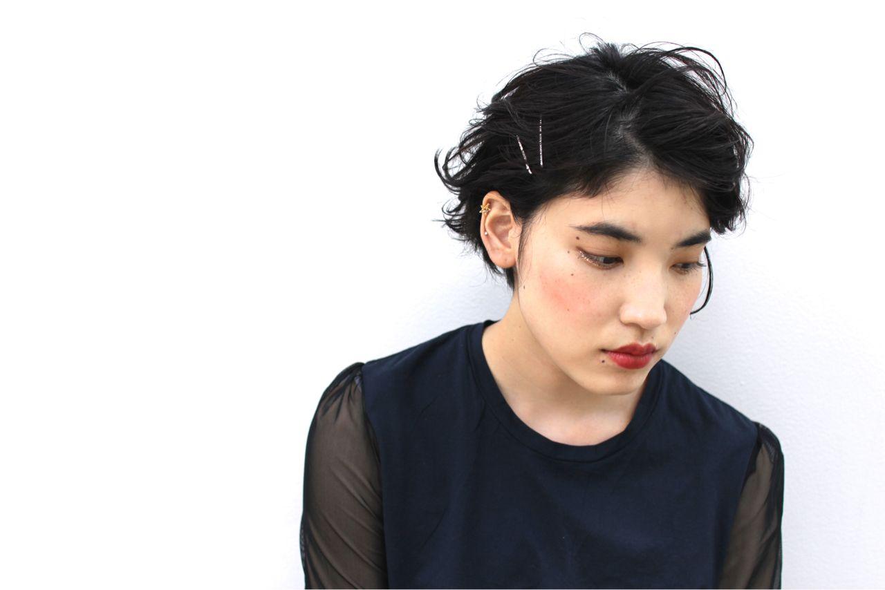 暗髪 抜け感 黒髪 ストリート ヘアスタイルや髪型の写真・画像