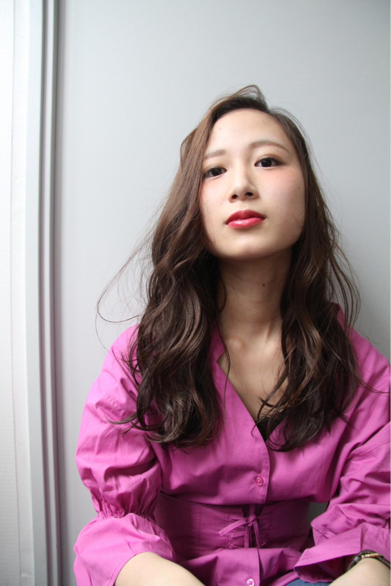 外国人風カラー セミロング ストリート グレージュ ヘアスタイルや髪型の写真・画像