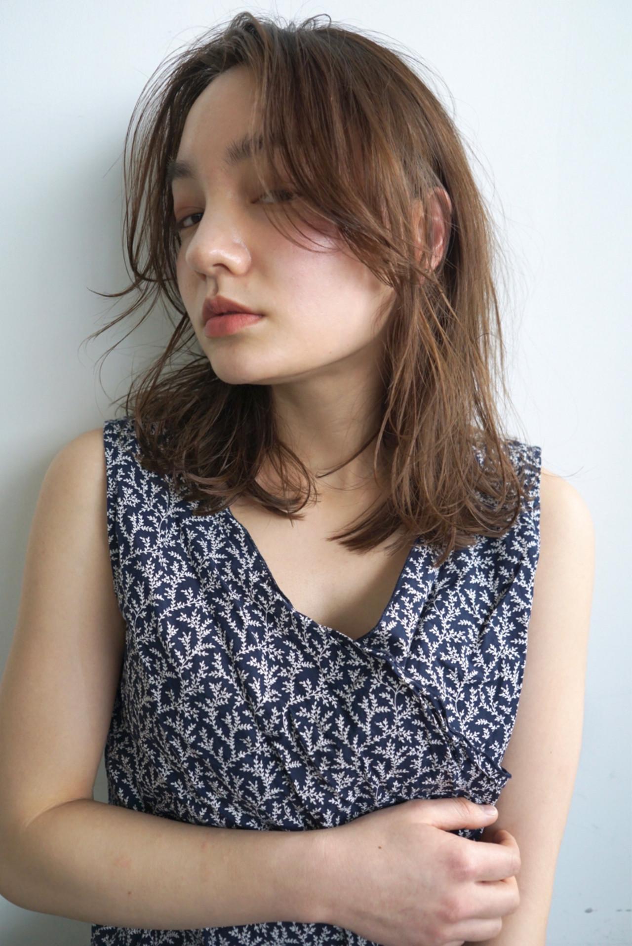 ミディアム うざバング 前髪なし センターパート ヘアスタイルや髪型の写真・画像 | UEKI/nanuk / nanuk二子玉川