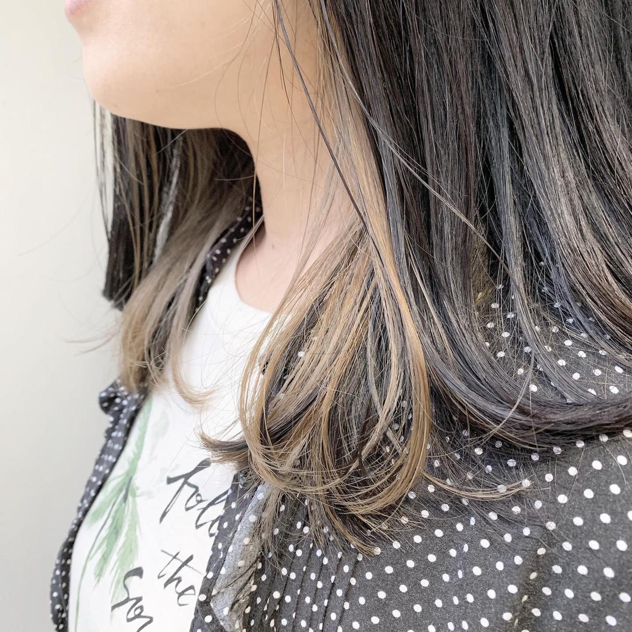 グレージュ ミディアム ブリーチ モード ヘアスタイルや髪型の写真・画像