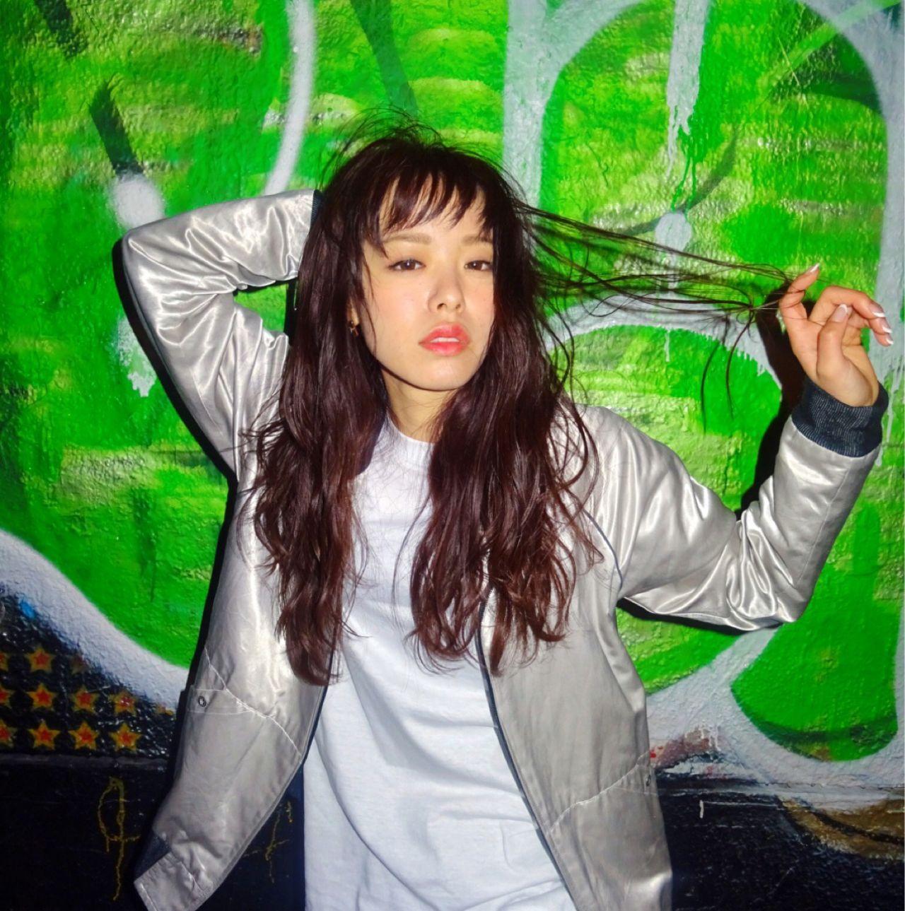 暗髪 ストリート ウェーブ ストレート ヘアスタイルや髪型の写真・画像 | Ryusei Maeda / free