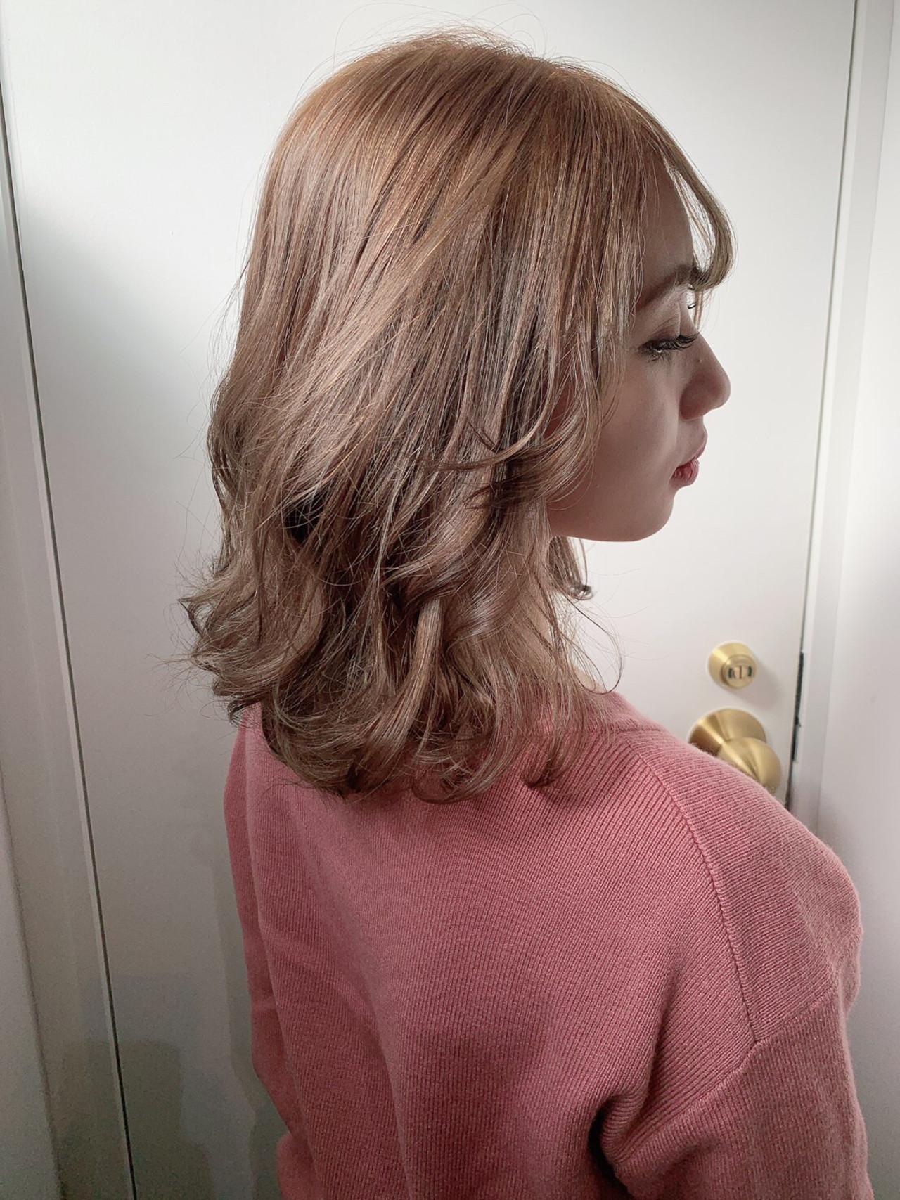 ミディアム 切りっぱなしボブ ナチュラル グレージュ ヘアスタイルや髪型の写真・画像 | COM PASS タイチ / COM PASS