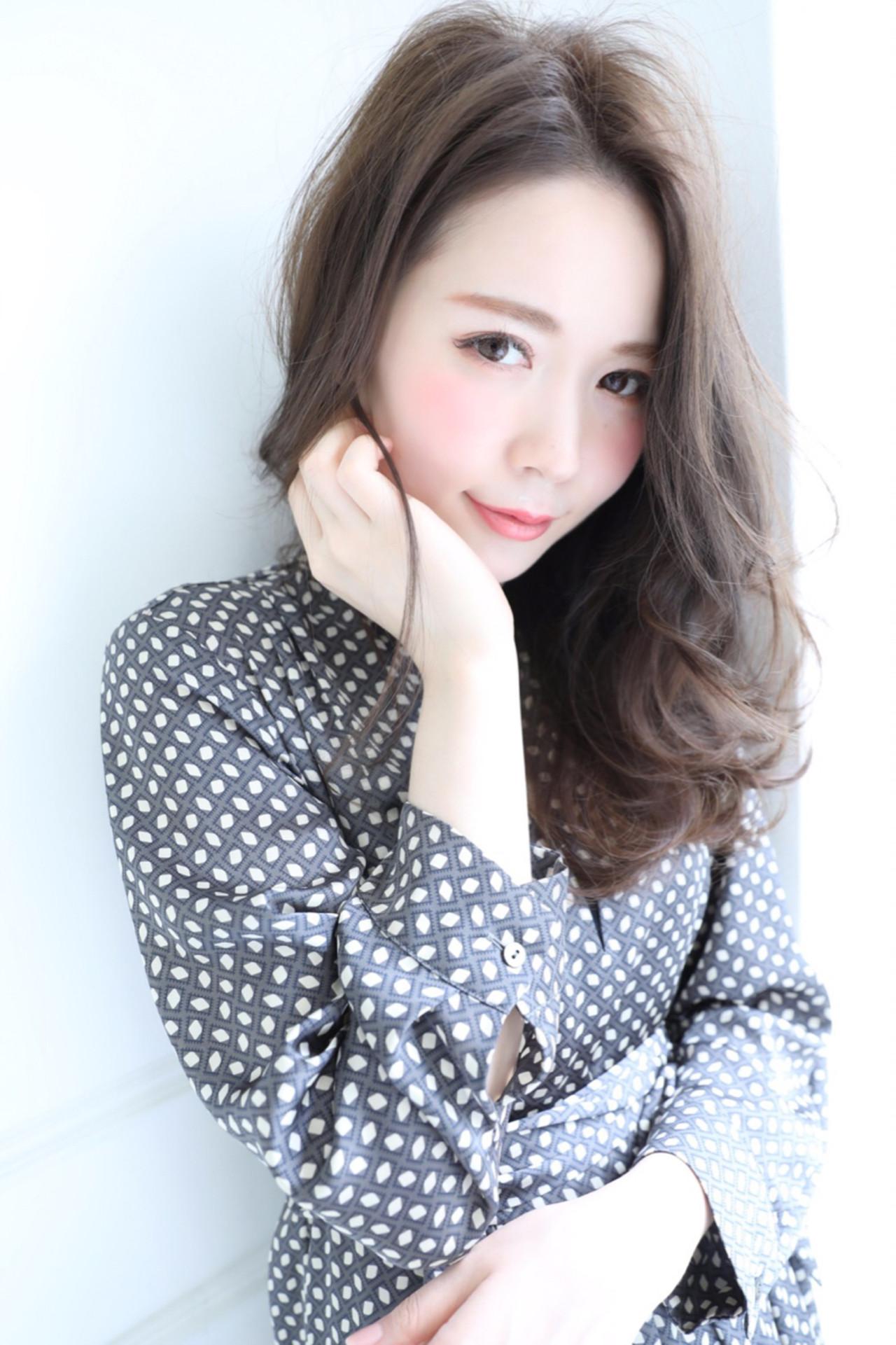 セミロング デート 上品 エレガント ヘアスタイルや髪型の写真・画像 | 高橋 アリサ /