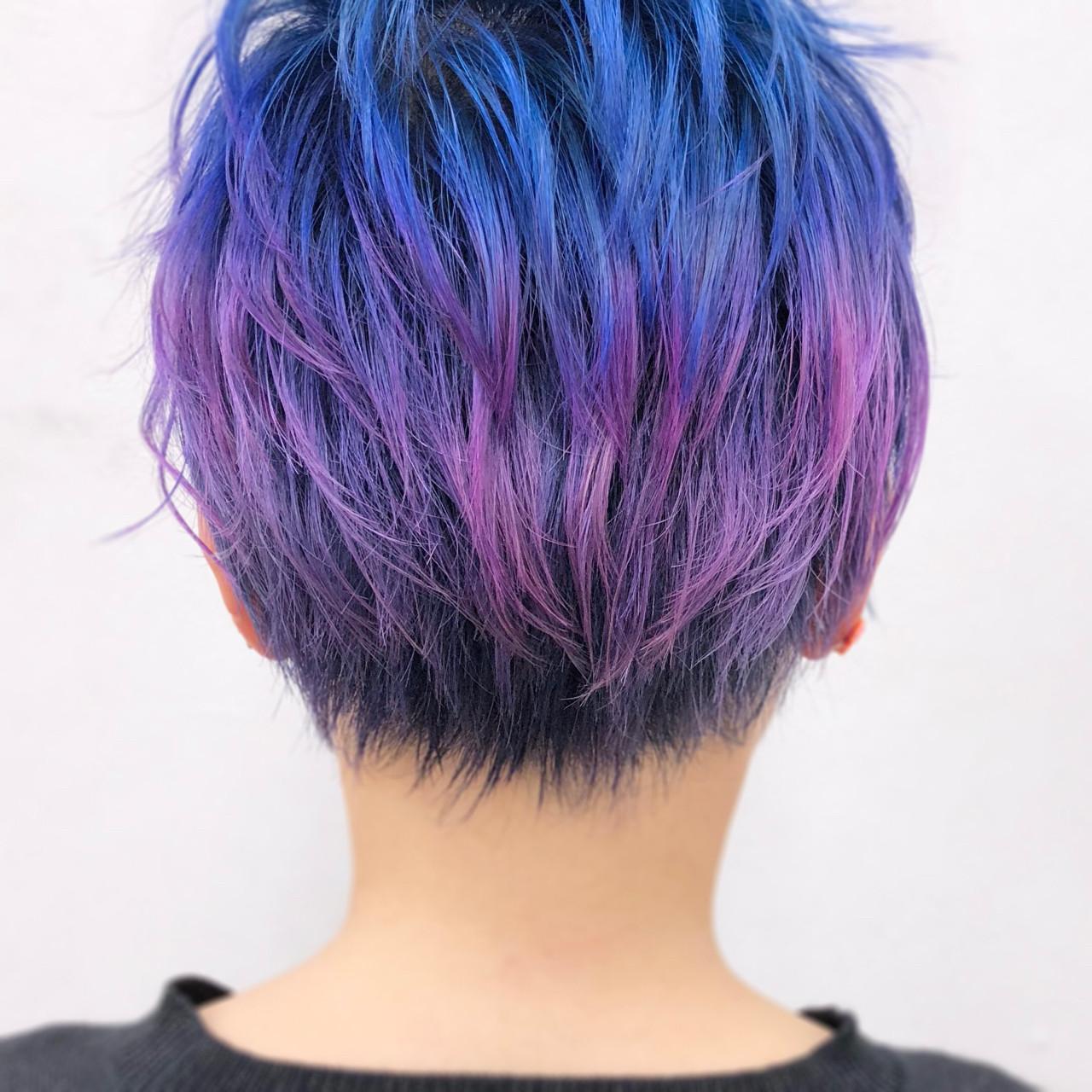 カラフルカラー ブルー モード 個性的 ヘアスタイルや髪型の写真・画像