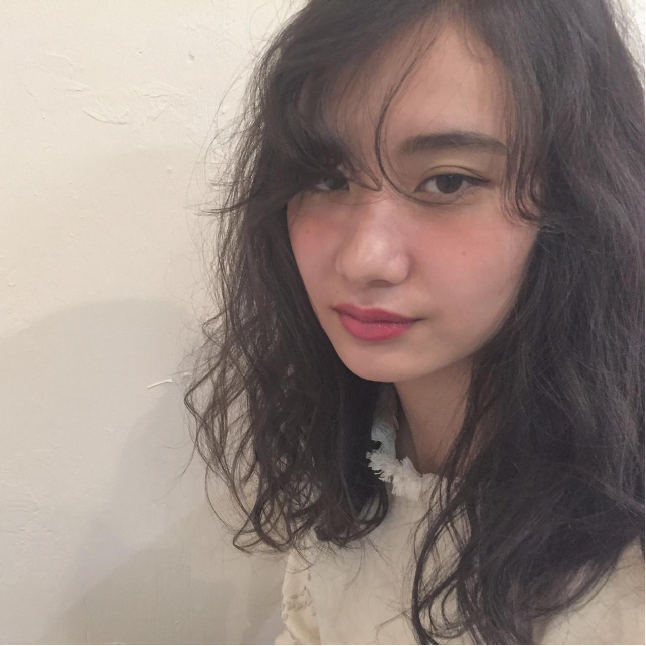 暗髪 こなれ感 ナチュラル アッシュ ヘアスタイルや髪型の写真・画像 | 坂本圭太朗 / bado