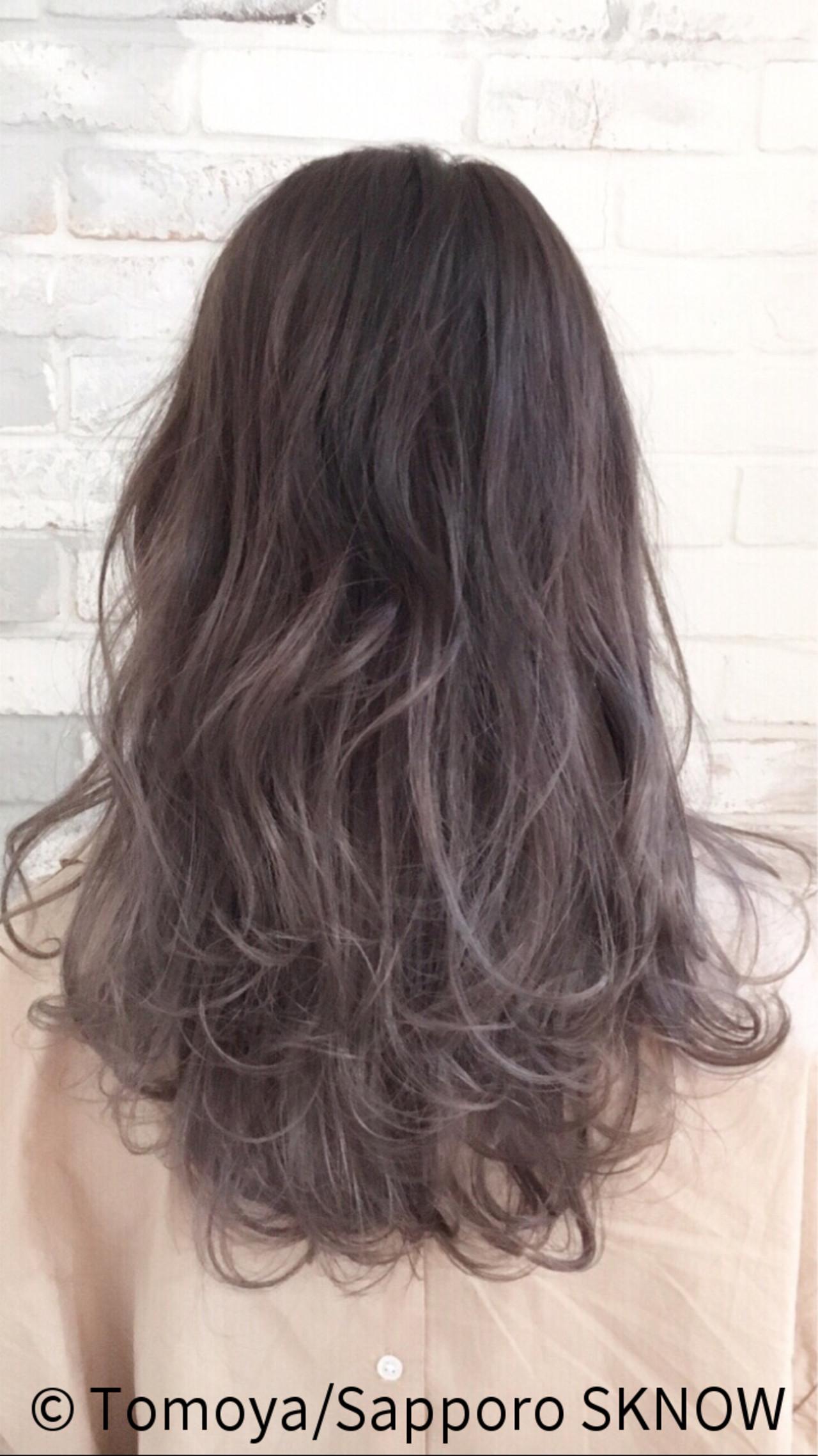 デート グラデーションカラー ラベンダーアッシュ ストリート ヘアスタイルや髪型の写真・画像