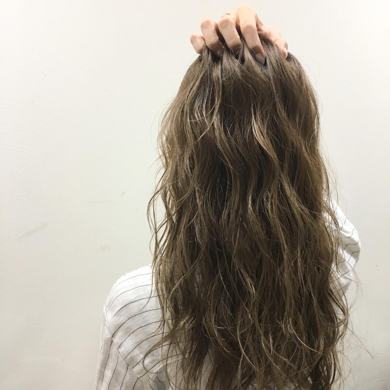 外ハネ ハイライト 外国人風 ロング ヘアスタイルや髪型の写真・画像