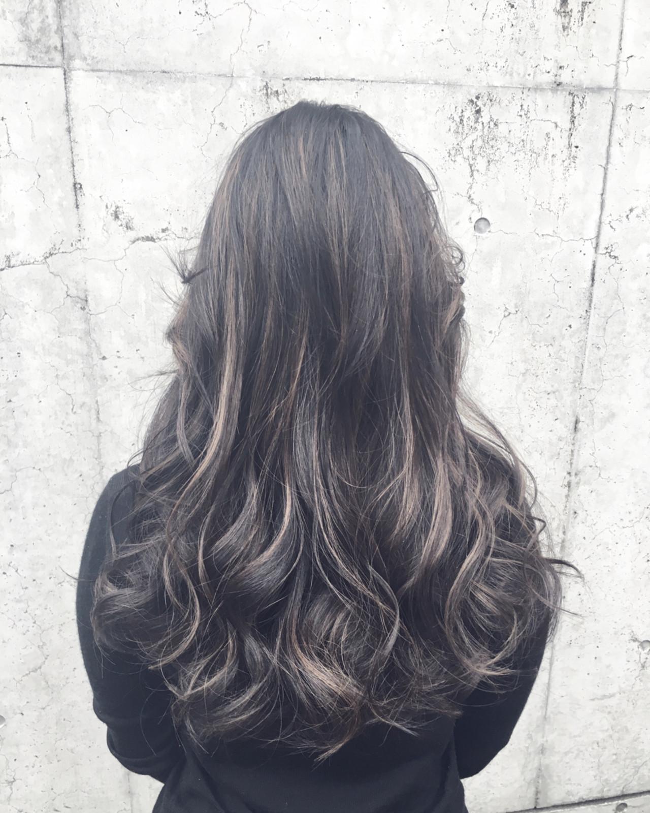 黒髪 モード ハイライト セミロング ヘアスタイルや髪型の写真・画像