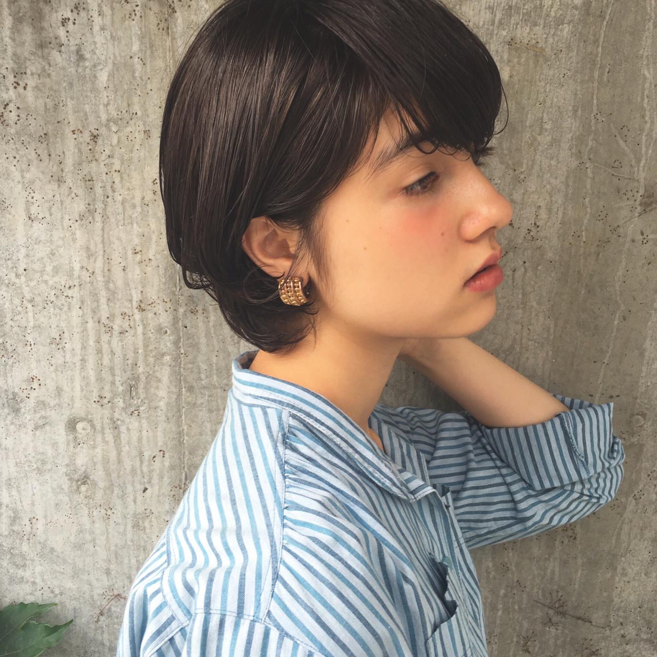 斜め前髪 黒髪 モード デート ヘアスタイルや髪型の写真・画像 | 小西敬二郎 / Heartim