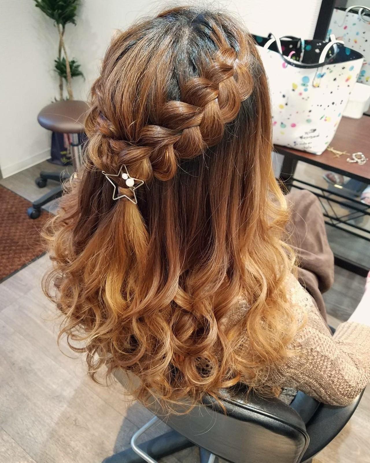 ヘアアレンジ 編み込み セミロング フェミニン ヘアスタイルや髪型の写真・画像