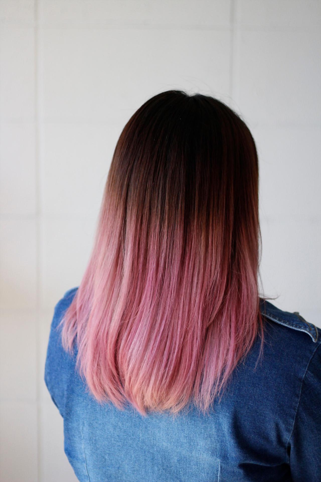 セミロング ピンク ストリート グラデーションカラー ヘアスタイルや髪型の写真・画像 | Hatori Masaki / rela hair salon