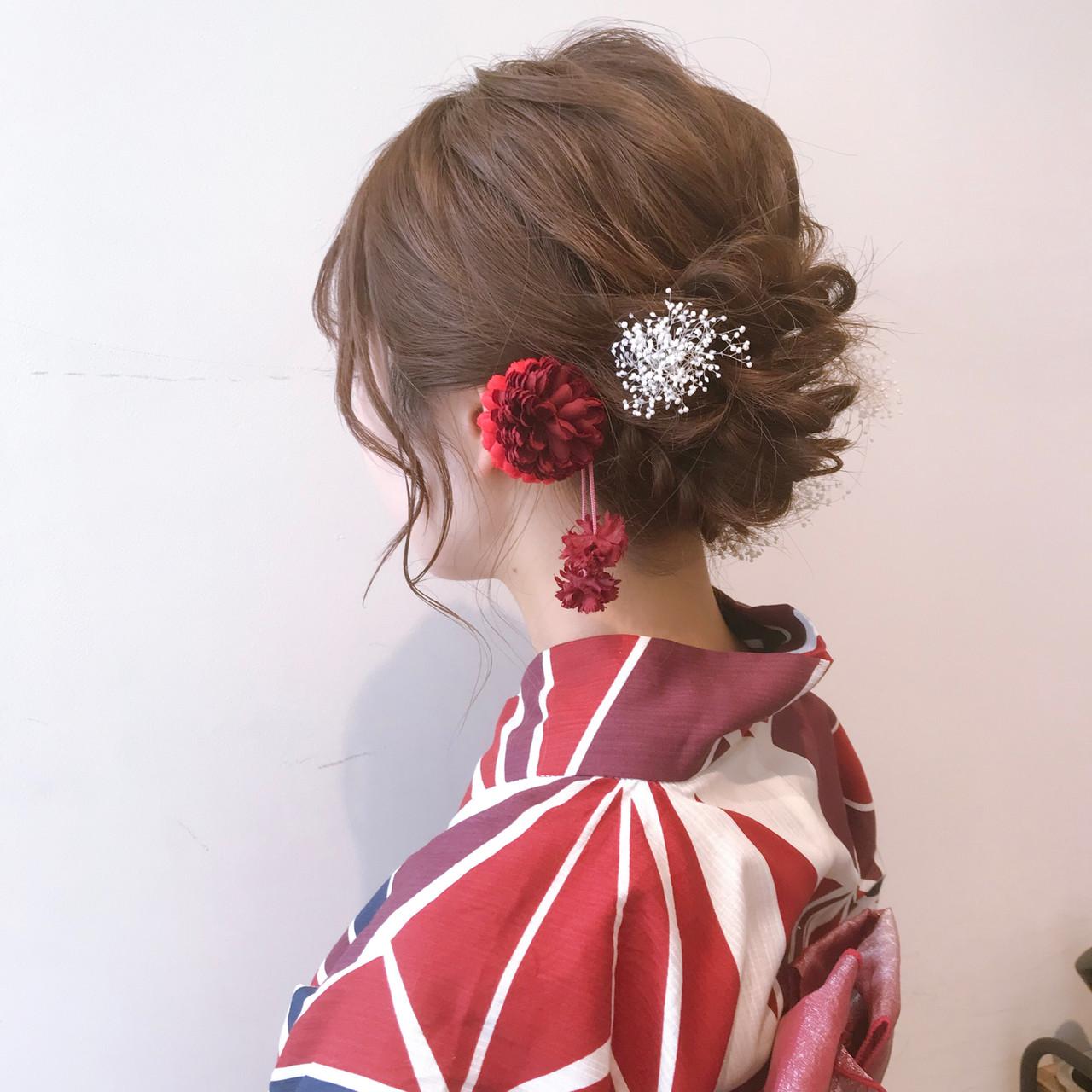 ミルクティーアッシュ フェミニン ヘアアレンジ 結婚式ヘアアレンジ ヘアスタイルや髪型の写真・画像