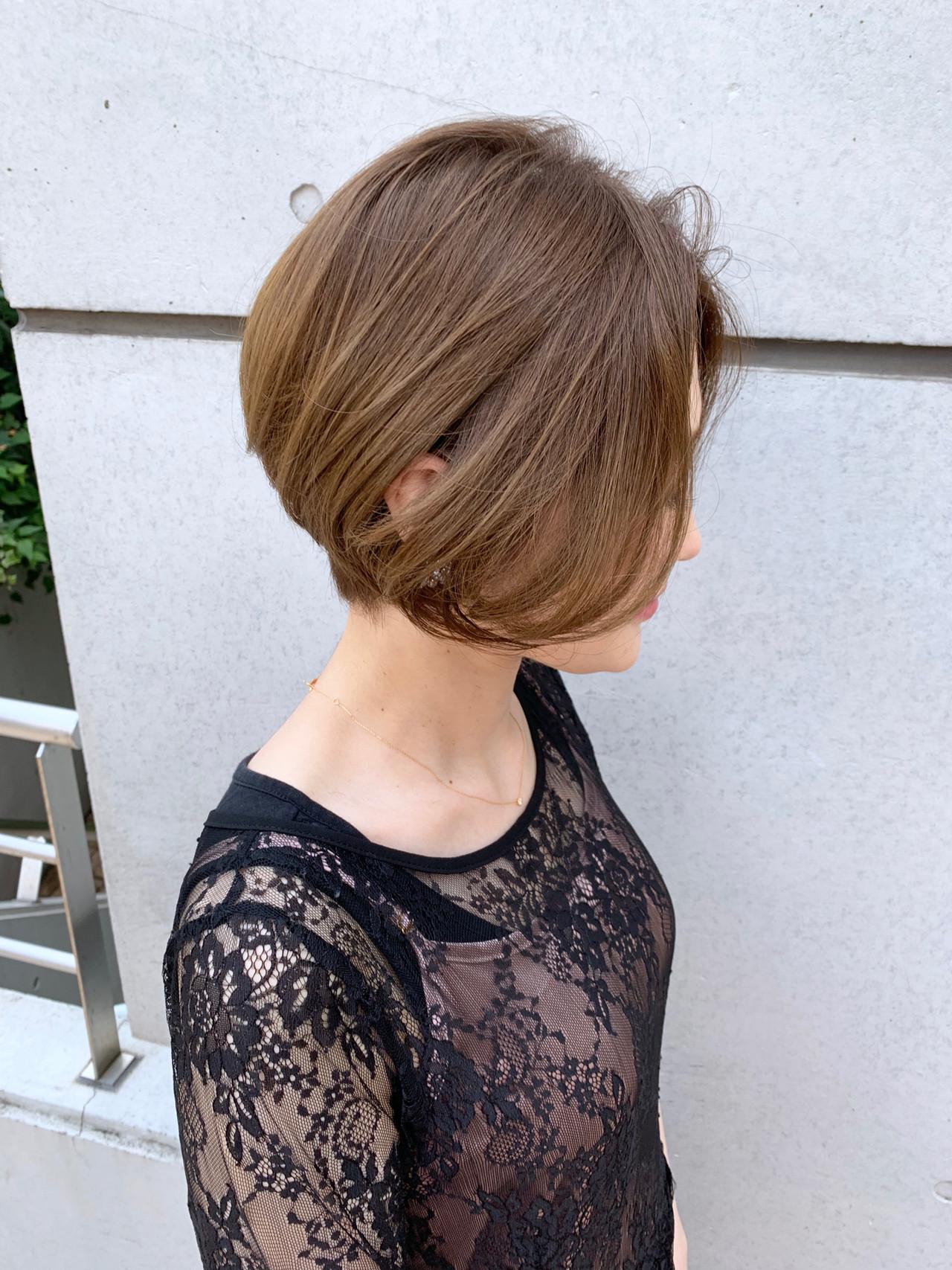 ショート 丸みショート 小顔ショート エレガント ヘアスタイルや髪型の写真・画像