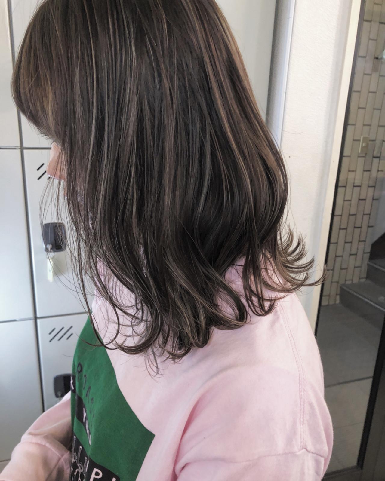 ナチュラル ハイライト 外国人風カラー 外ハネ ヘアスタイルや髪型の写真・画像