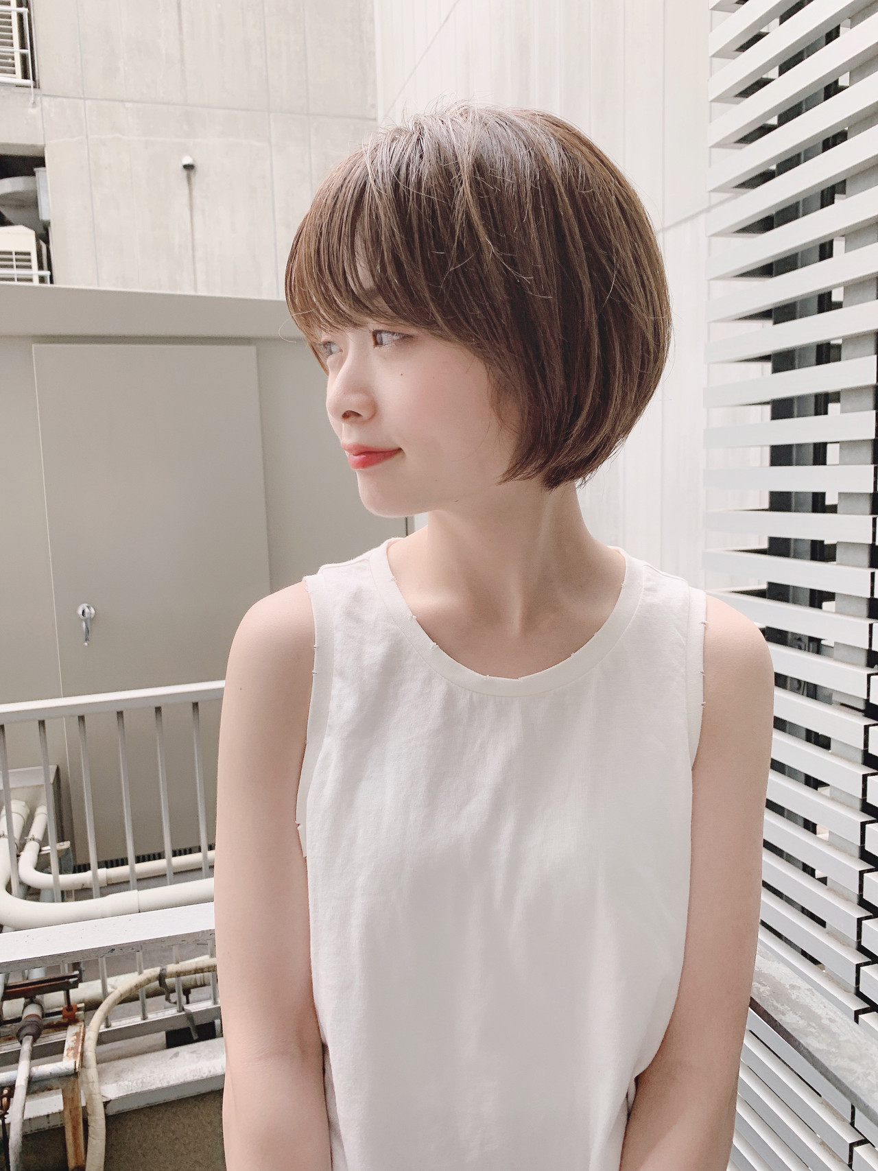 デート ナチュラル ショート オフィス ヘアスタイルや髪型の写真・画像 | 阿比留 奨太 【sand】 / sand omotesando