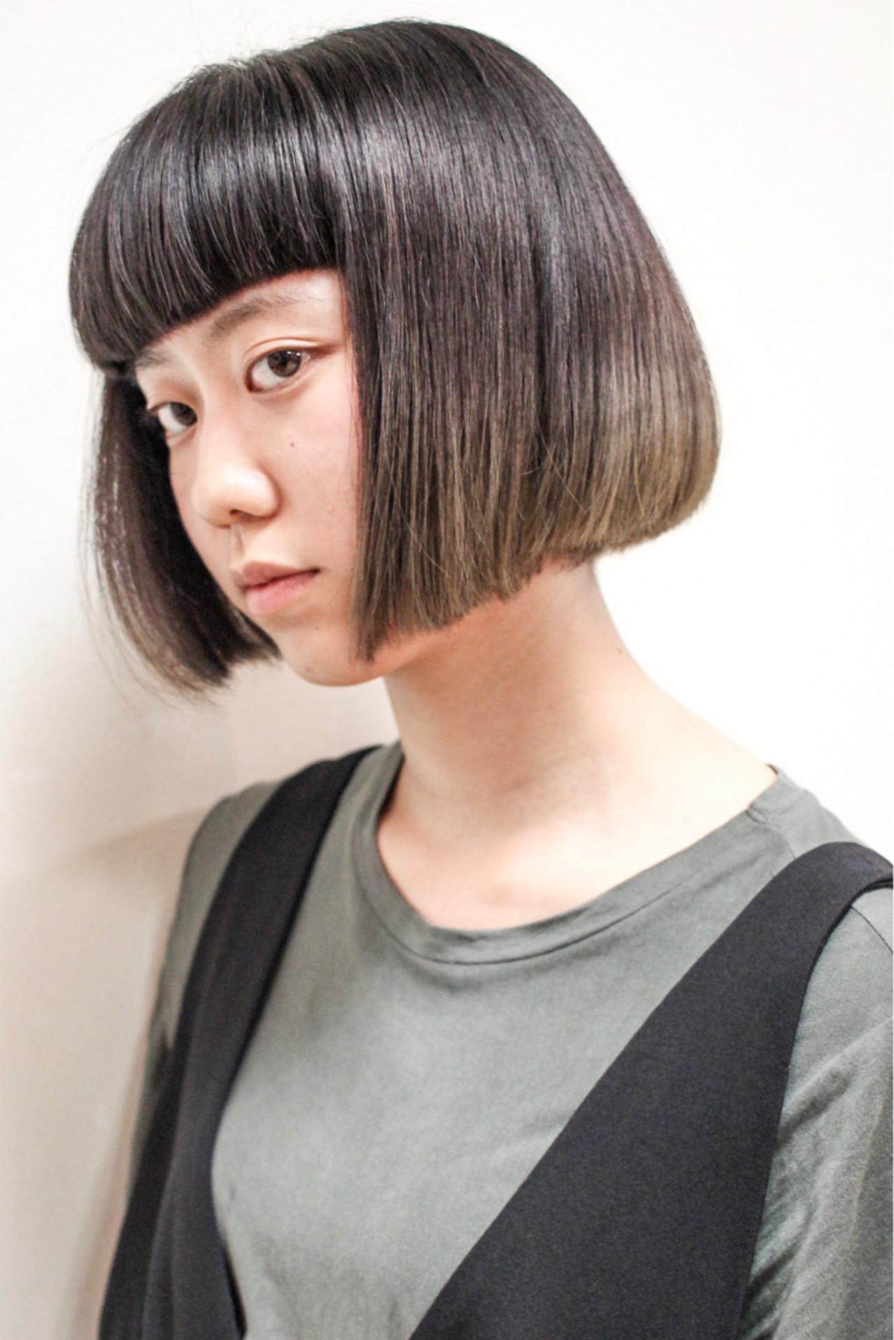 小顔 色気 ショートボブ 黒髪 ヘアスタイルや髪型の写真・画像