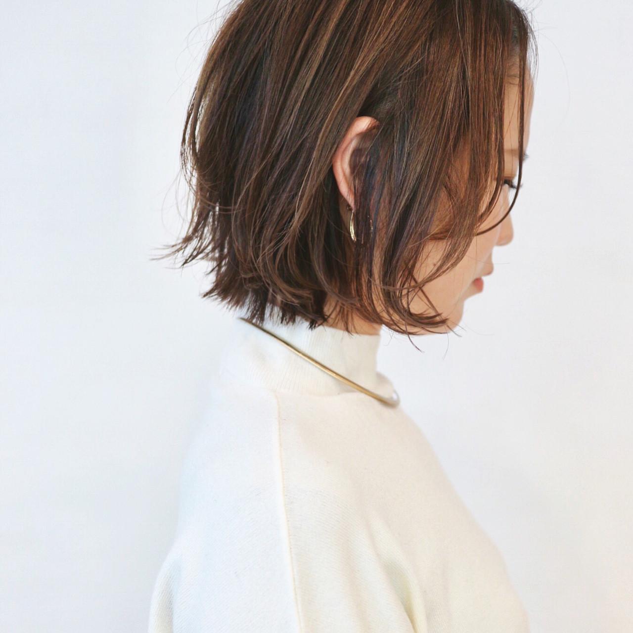 レイヤーボブ フェミニン グレージュ ウルフカット ヘアスタイルや髪型の写真・画像