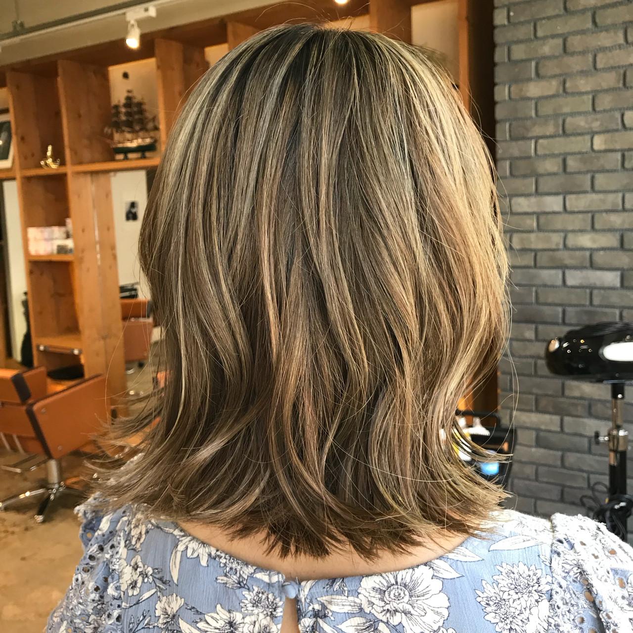 ミディアム 3Dカラー 夏 ストリート ヘアスタイルや髪型の写真・画像