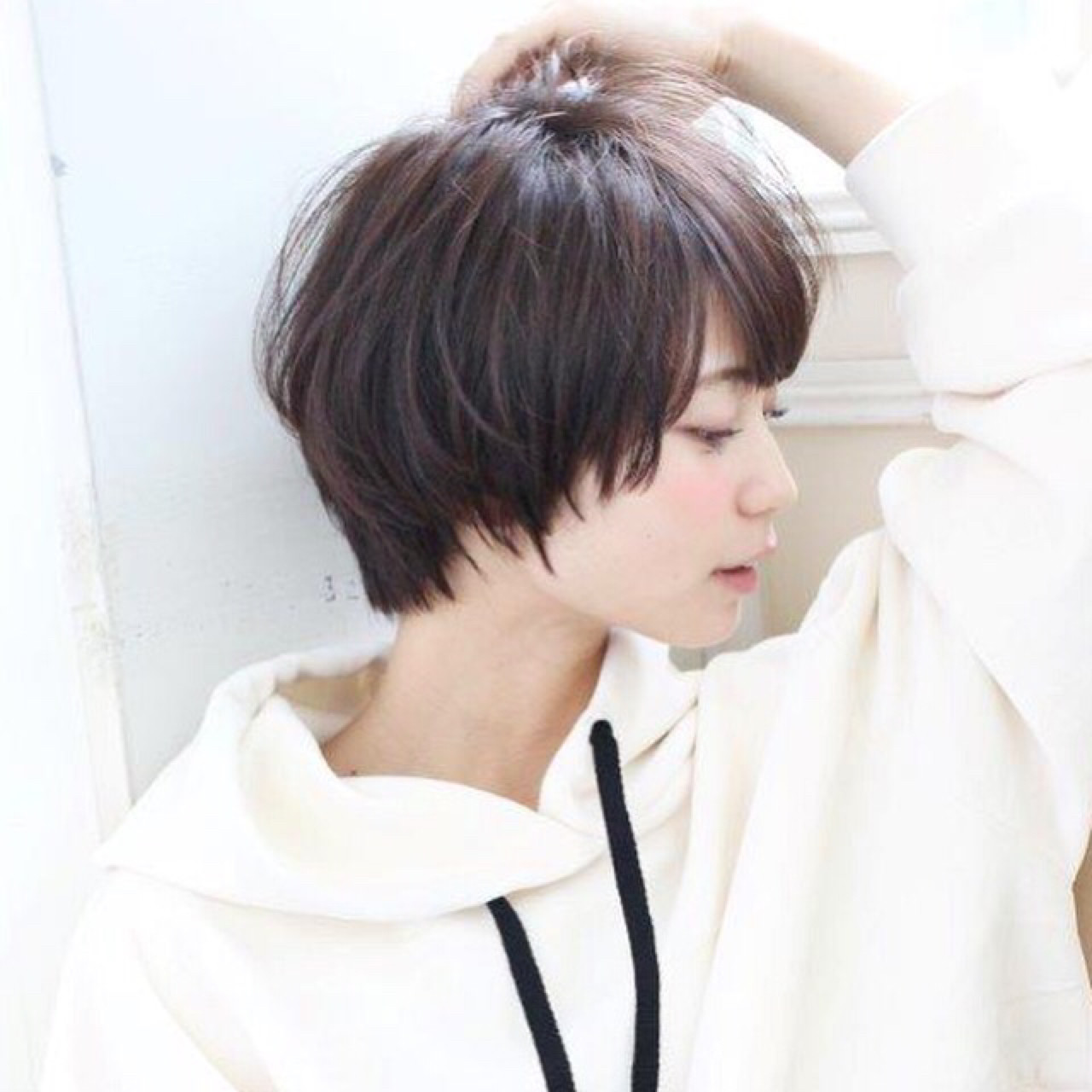 ショートボブ 大人女子 黒髪 こなれ感 ヘアスタイルや髪型の写真・画像 | 切りっぱなしボブを流行らせた人 Un ami増永 / Un ami omotesando