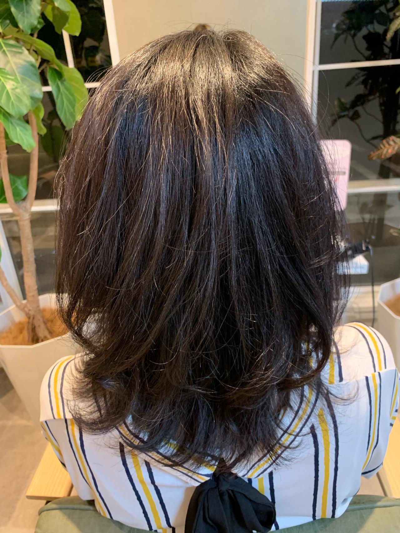 巻き髪 オフィス  セミロング ヘアスタイルや髪型の写真・画像