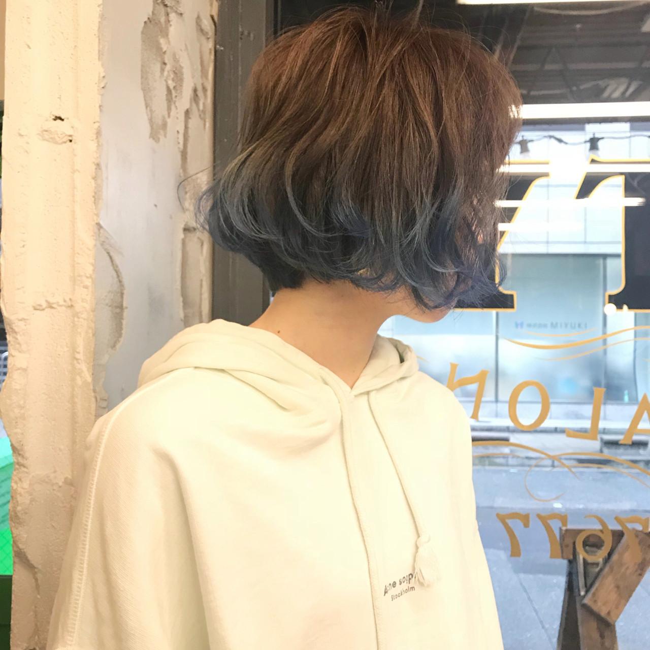 ブリーチ ハイライト ブルー ネイビー ヘアスタイルや髪型の写真・画像