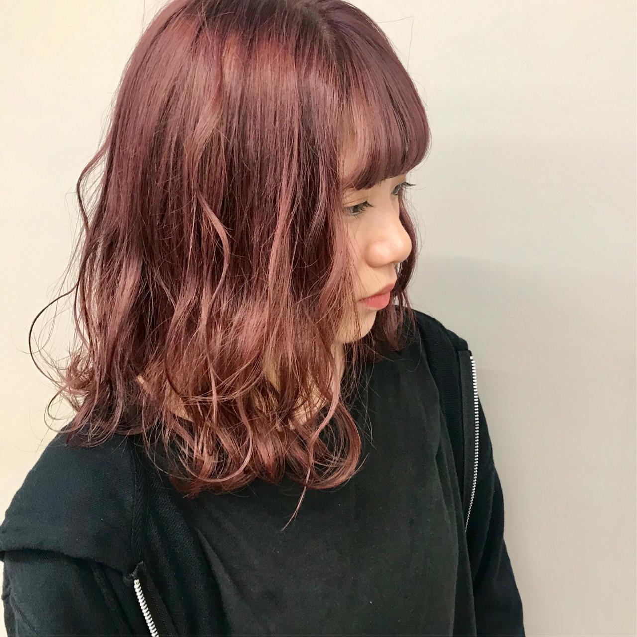 ハイトーンカラー アディクシーカラー ダブルカラー ミディアム ヘアスタイルや髪型の写真・画像